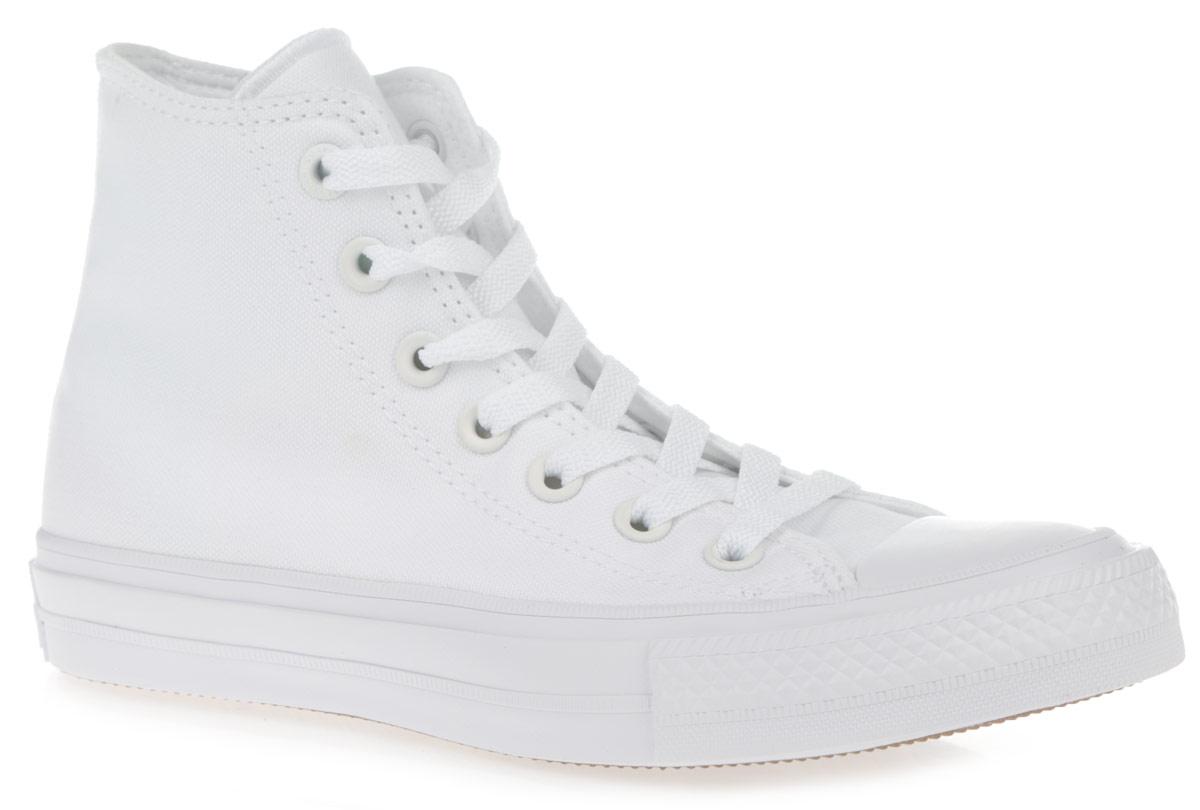 Кеды150148Высокие кеды Chuck Taylor All Star II Hi от Converse займут достойное место среди вашей коллекции обуви. Модель выполнена из прочного текстиля и оформлена на подошве сзади прорезиненной накладкой, на одной из боковых сторон - люверсами и фирменной термоаппликацией. Мыс изделия дополнен классической для кед прорезиненной вставкой. Шнуровка обеспечивает надежную фиксацию обуви на ноге. Инновационная стелька Lunarlon меняет свою форму в зависимости от давления, наклона и индивидуальных особенностей ступни, а также подстраивается под каждое движение. Она не только смягчает контакт с поверхностью, но и при каждом шаге гарантированно возвращает часть затраченной энергии. Гибкая резиновая подошва с рифлением гарантирует идеальное сцепление с любыми поверхностями. В таких кедах вашим ногам будет комфортно и уютно.