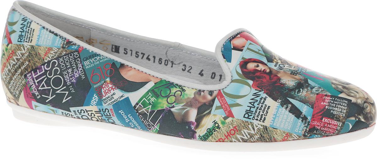 Туфли для девочки. 5157416013/4-5-515741601Прелестные туфли от Elegami очаруют вашу девочку с первого взгляда! Модель выполнена из натуральной кожи и оформлена принтом в виде обложек журнала Vogue. Внутренняя поверхность исполнена из натуральной кожи. Биоадаптивная стелька из EVA-материала с поверхностью из натуральной кожи принимает форму стопы, разгружает ее, служит ей хорошей опорой и способствует оптимальной физической нагрузке на стопу при ходьбе. Стелька дополнена супинатором, который обеспечивает правильное положение ноги ребенка при ходьбе, предотвращает плоскостопие. Перфорация на стельке позволяет ногам дышать. Подошва с рифлением обеспечивает отличное сцепление с любыми поверхностями. Стильные туфли займут достойное место в гардеробе вашей девочки.