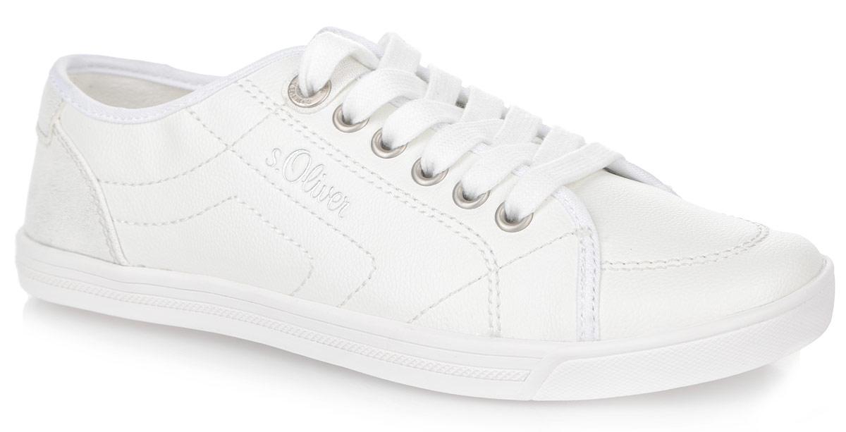 5-5-23631-26-100Удобные женские кеды от S.Oliver покорят вас с первого взгляда! Модель выполнена из искусственной кожи и оформлена сбоку, на язычке и на заднике фирменным тиснением. Задник оформлен блестящим покрытием. Классическая шнуровка обеспечивает надежную фиксацию обуви на ноге. Стелька из EVA-материала с текстильной поверхностью принимает форму стопы и гарантирует комфорт при движении. Прочная резиновая подошва с рельефным рисунком обеспечивает сцепление с любой поверхностью. Такие кеды займут достойное место в вашем гардеробе.