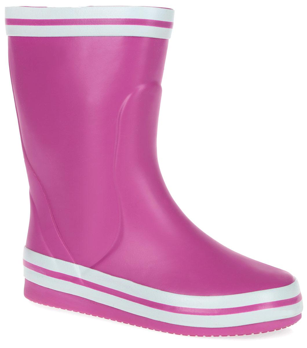Сапоги резиновые для девочки. 100412100412Яркие резиновые сапоги от Mursu - идеальная обувь в дождливую погоду для вашей девочки. Сапоги выполнены из резины и оформлены контрастными полосками вдоль канта и ранта. Внутренняя поверхность из хлопка и съемная стелька EVA с текстильной поверхностью комфортны при движении. Рифление на подошве гарантирует отличное сцепление с любой поверхностью. Резиновые сапоги не только защитят ноги вашей девочки от промокания в дождливый день, но и поднимут ей настроение.