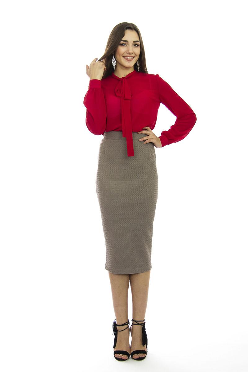 Блузка женская. б0358б0356Модная женская блузка Lautus, выполненная из высококачественного эластичного полиэстера, подчеркнет ваш уникальный стиль и поможет создать женственный образ. Модель свободного кроя c воротником-аскот и длинными рукавами по всей длине застегивается на пластиковые пуговицы. Манжеты рукавов также застегиваются на пуговицы. Вырез горловины дополнен двумя лентами, которые можно оформить в бант. Такая модель отлично сочетается как с брюками, так и юбками. Эта блузка будет дарить вам комфорт в течение всего дня и послужит замечательным дополнением к вашему гардеробу.