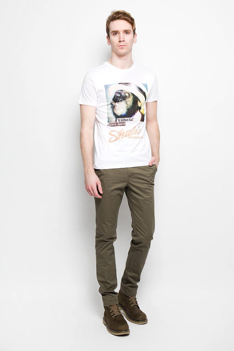 Ts-211/1021-6133Стильная мужская футболка Sela обеспечивает наибольший комфорт и свободу движений во время занятий спортом и в повседневной носке. Изделие свободного кроя с круглым вырезом горловины и короткими рукавами подарит вам удобство и комфорт. Натуральный хлопок обеспечивает оптимальный микроклимат. Модель декорирована спереди оригинальным изображением обезьяны и надписями на английском языке. Такая футболка послужит замечательным дополнением к вашему гардеробу.