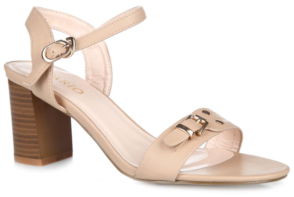 Босоножки. 1163-02-41163-02-4Модные босоножки от Inario не оставят вас равнодушной. Модель выполнена из искусственной кожи. Передний ремешок оформлен заклепками и декоративной пряжкой. Ремешок с металлической пряжкой овальной формы, застегивающийся с помощью крючка, позволяет прочно зафиксировать обувь на вашей ножке. Стелька из искусственной кожи, дополненная названием бренда, комфортна при ходьбе. Высокий каблук, стилизованный под дерево, устойчив. Рифление на подошве и на каблуке обеспечивает идеальное сцепление с любыми поверхностями. Эффектные босоножки позволят вам выделиться среди окружающих!