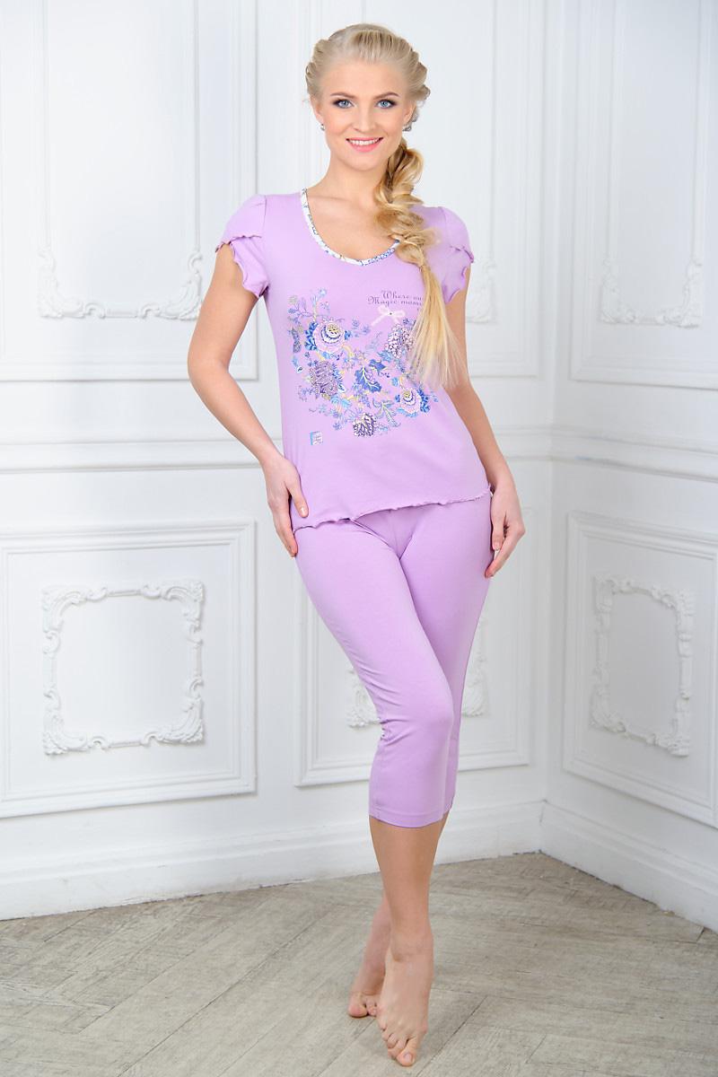 ПижамаAW15-UAT-LST-656Женская пижама Mia Cara, состоящая из футболки и бридж, идеально подойдет для отдыха и сна. Модель выполнена из высококачественного хлопка с добавлением эластана, очень мягкая на ощупь, не сковывает движения, хорошо пропускает воздух. Футболка с V-образным вырезом горловины и короткими рукавами оформлена цветочным принтом и надписями. Бриджи с широкой эластичной резинкой в поясе.