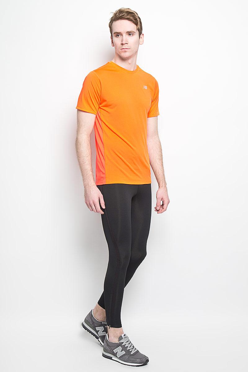 ФутболкаMT53061/LAMСтильная мужская футболка для бега New Balance, выполненная из 100% полиэстера, обладает высокой теплопроводностью, воздухопроницаемостью и гигроскопичностью и великолепно отводит влагу, оставляя тело сухим даже во время интенсивных тренировок. Комфортные плоские швы исключают риск натирания. Такая футболка превосходно подойдет для бега, занятий спортом и активного отдыха. Модель с короткими рукавами и круглым вырезом горловины - идеальный вариант для создания образа в спортивном стиле. Футболка оформлена светоотражающим логотипом спереди и узкой светоотражающей полоской сзади. Такая модель подарит вам комфорт в течение всего дня и послужит замечательным дополнением к вашему гардеробу.