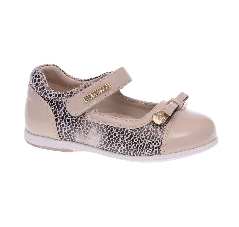 Туфли для девочки. 61-XT14061-XT140Прелестные туфли от Flamingo придутся по душе вашей юной моднице! Модель изготовлена из искусственной кожи разной фактуры и оформлена по бокам и канту оригинальным принтом. Мыс оформлен роскошным бантиком, дополненным стильной фурнитурой со стразами, ремешок - декоративной металлической пластиной с гравировкой бренда. Подкладка, изготовленная из натуральной кожи, предотвратит натирание и гарантирует уют. Стелька из ЭВА материала с верхним покрытием из натуральной кожи дополнена супинатором, который обеспечивает правильное положение ноги ребенка при ходьбе, предотвращает плоскостопие. Ремешок на застежке-липучке надежно зафиксирует изделие на ножке ребенка. Подошва оснащена рифлением для лучшего сцепления с различными поверхностями. Удобные туфли - незаменимая вещь в гардеробе каждой девочки.