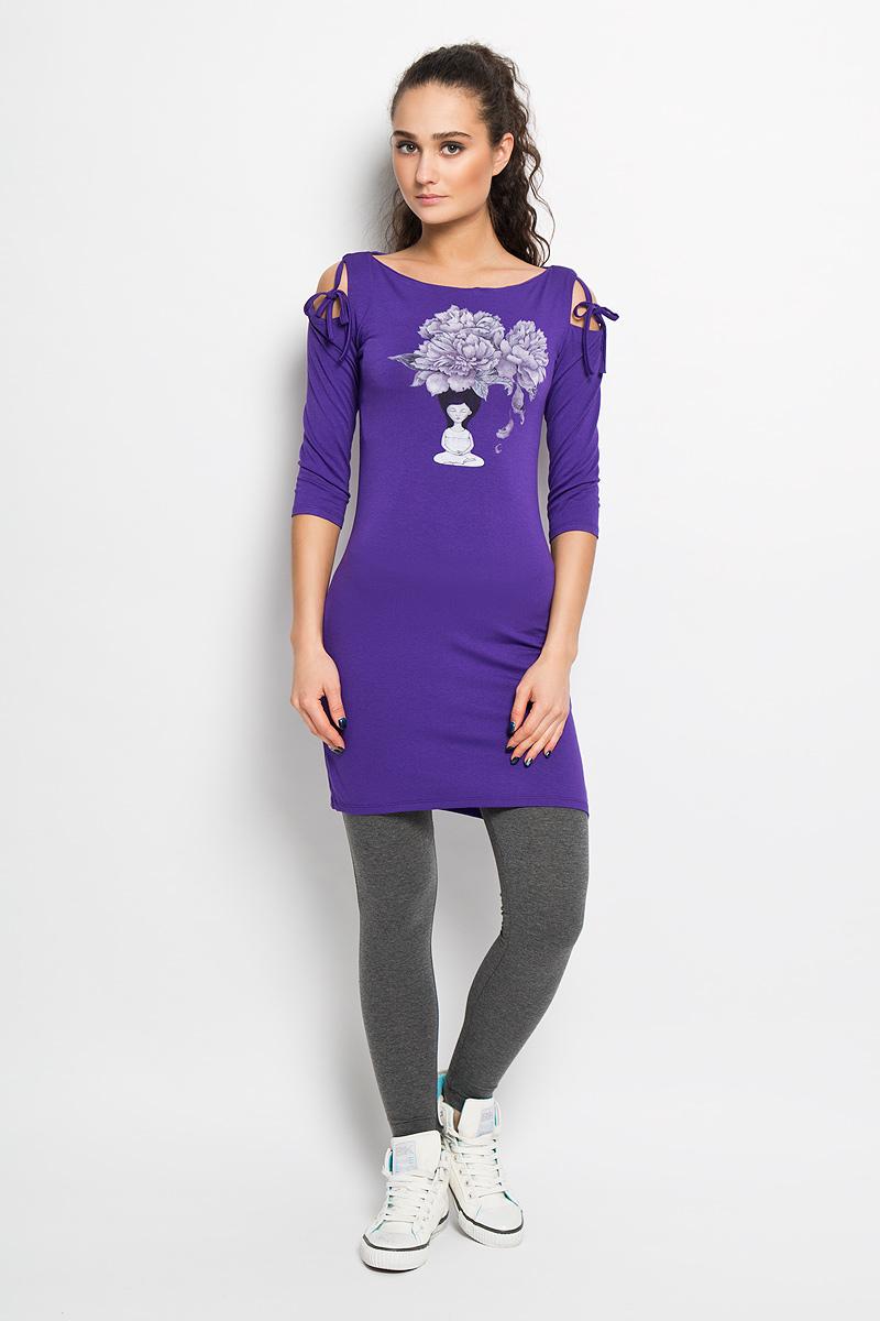 ПлатьеAL- 2824Спортивное платье Grishko, выполненное из хлопка с добавлением лайкры, идеально подойдёт ля занятия фитнесом или повседневной носки. Модель приталенного кроя с рукавами 3/4 и горловиной с вырезом лодочкой. Платье оформлено красивым цветочный принтом, навеянным духовными практиками и символизирующий восточную мудрость. Спинка формлена эффектным вырезом-качелькой и небольшой термоаппликацией с логотипом Grishko. Рукава дополнены прорезями в плечевом шве и оригинальными завязками. Такая модель станет незаменимой вещью в вашем гардеробе.