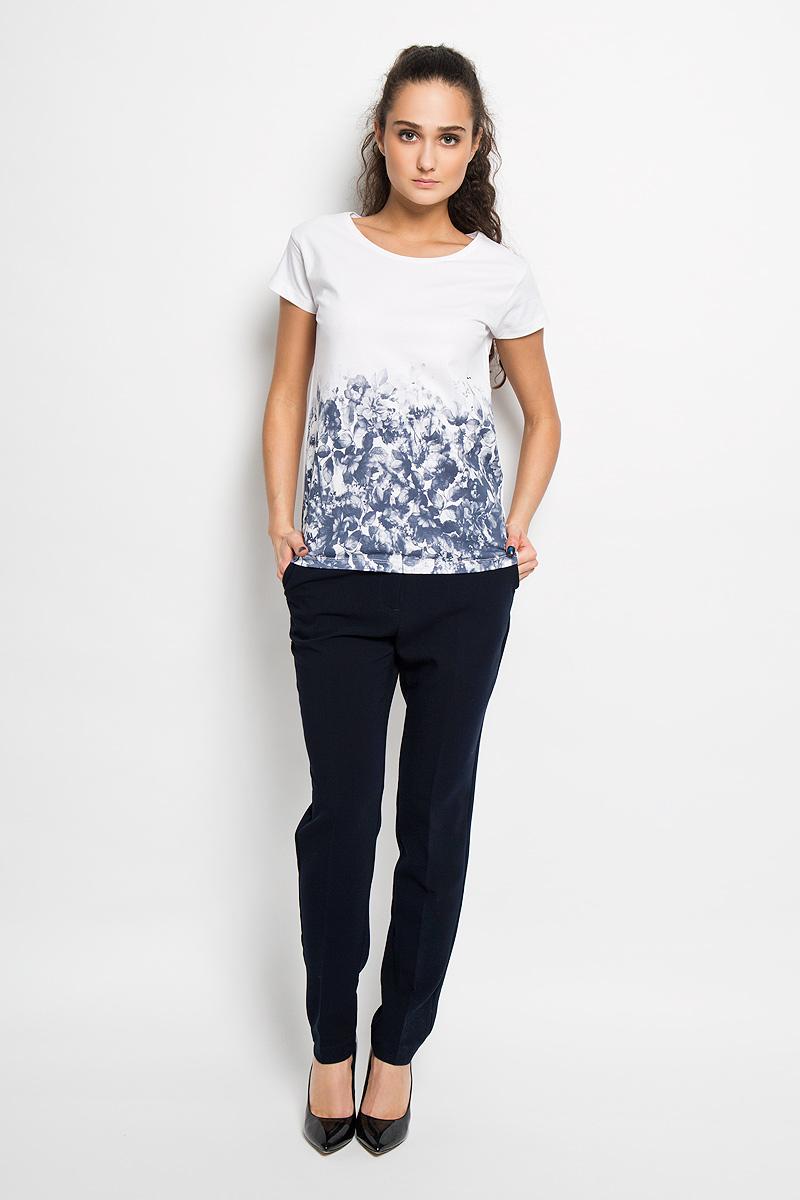 SPO2665BIСтильная женская футболка Top Secret, выполненная из 100% хлопка, подчеркнет ваш изысканный вкус. Модель свободного кроя c короткими рукавами и круглым вырезом горловины - идеальный вариант для создания образа в стиле Casual. Футболка оформлена оригинальным цветочным принтом. Такая модель подарит вам комфорт в течение всего дня и послужит замечательным дополнением к вашему гардеробу.