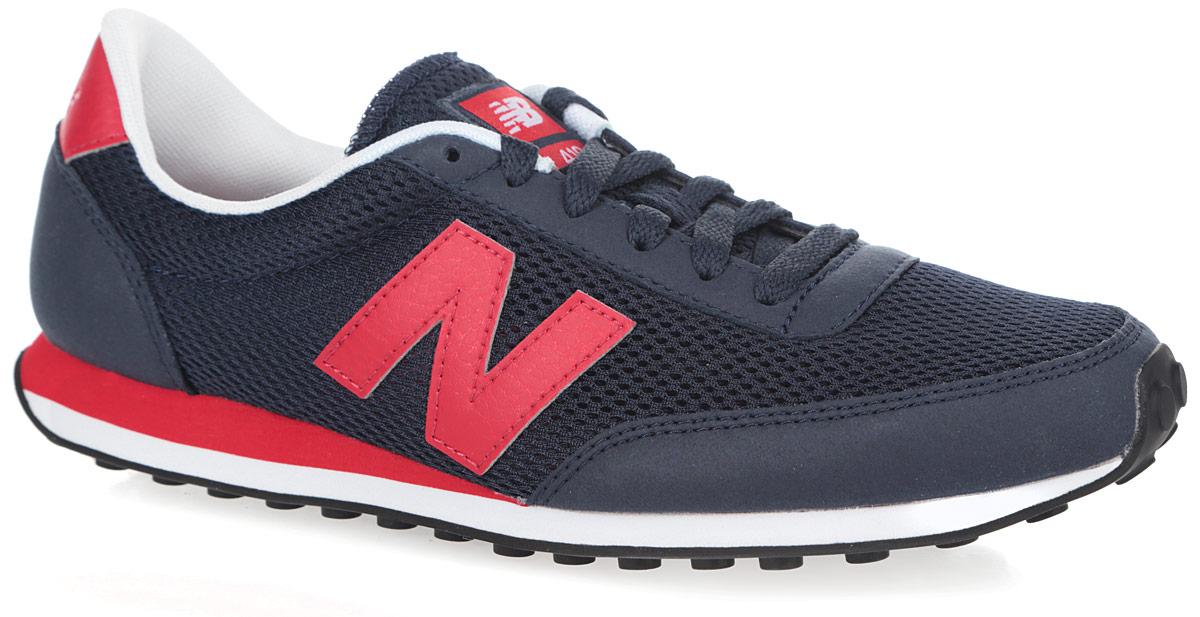 Кроссовки мужские. U410MNRU410MNRСтильные мужские кроссовки от New Balance придутся вам по душе. Верх модели, выполненный из нейлона, дополнен вставками из полиуретана и искусственных материалов. По бокам обувь оформлена нашивками из искусственной кожи в виде фирменного логотипа бренда, на язычке - фирменной нашивкой, на заднике - тиснением в виде названия бренда. Классическая шнуровка надежно зафиксирует изделие на ноге. Мягкая верхняя часть и подкладка, изготовленная из текстиля, гарантируют уют и предотвращают натирание. Стелька из материала EVA с текстильной поверхностью обеспечивает комфорт. Подошва из резины оснащена рифлением для лучшей сцепки с поверхностями. Удобные кроссовки займут достойное место среди коллекции вашей обуви.