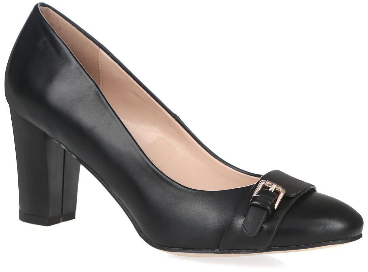 1171-01-1Классические туфли от Inario заинтересуют вас с первого взгляда! Модель выполнена из искусственной кожи и дополнена на мыске декоративным ремешком с металлической пряжкой. Закругленный носок смотрится невероятно женственно. Стелька из искусственной кожи, оформленная логотипом бренда, комфортна при ходьбе. Высокий стилизованный под дерево каблук устойчив. Рифление на подошве и на каблуке обеспечивает сцепление с поверхностью. Элегантные туфли займут достойное место в вашем гардеробе.