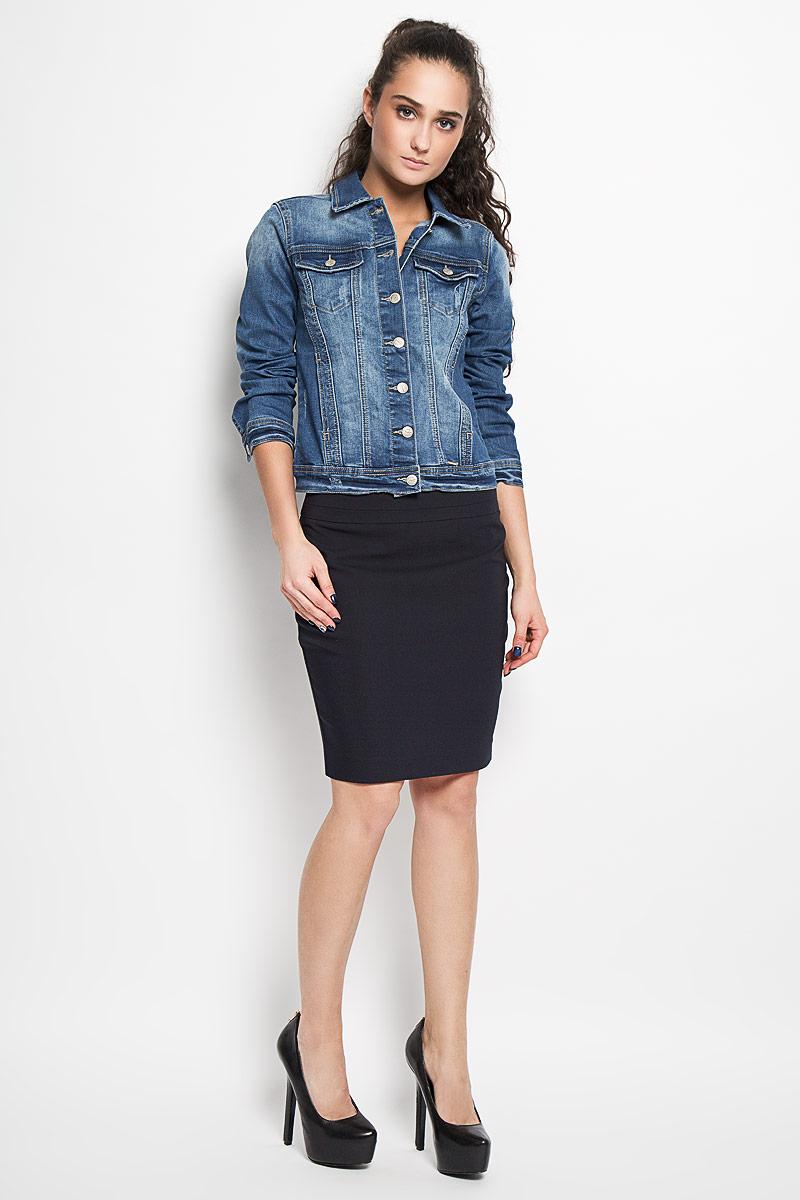ЮбкаSSD0934GRСтильная юбка Top Secret изготовлена из хлопка с добавлением полиэстера и эластана. Юбка-карандаш длиной до колена подчеркнет все достоинства вашей фигуры. Сзади юбка дополнена небольшим разрезом и застегивается на потайную молнию в среднем шве. Эта модная юбка - отличный вариант на каждый день.