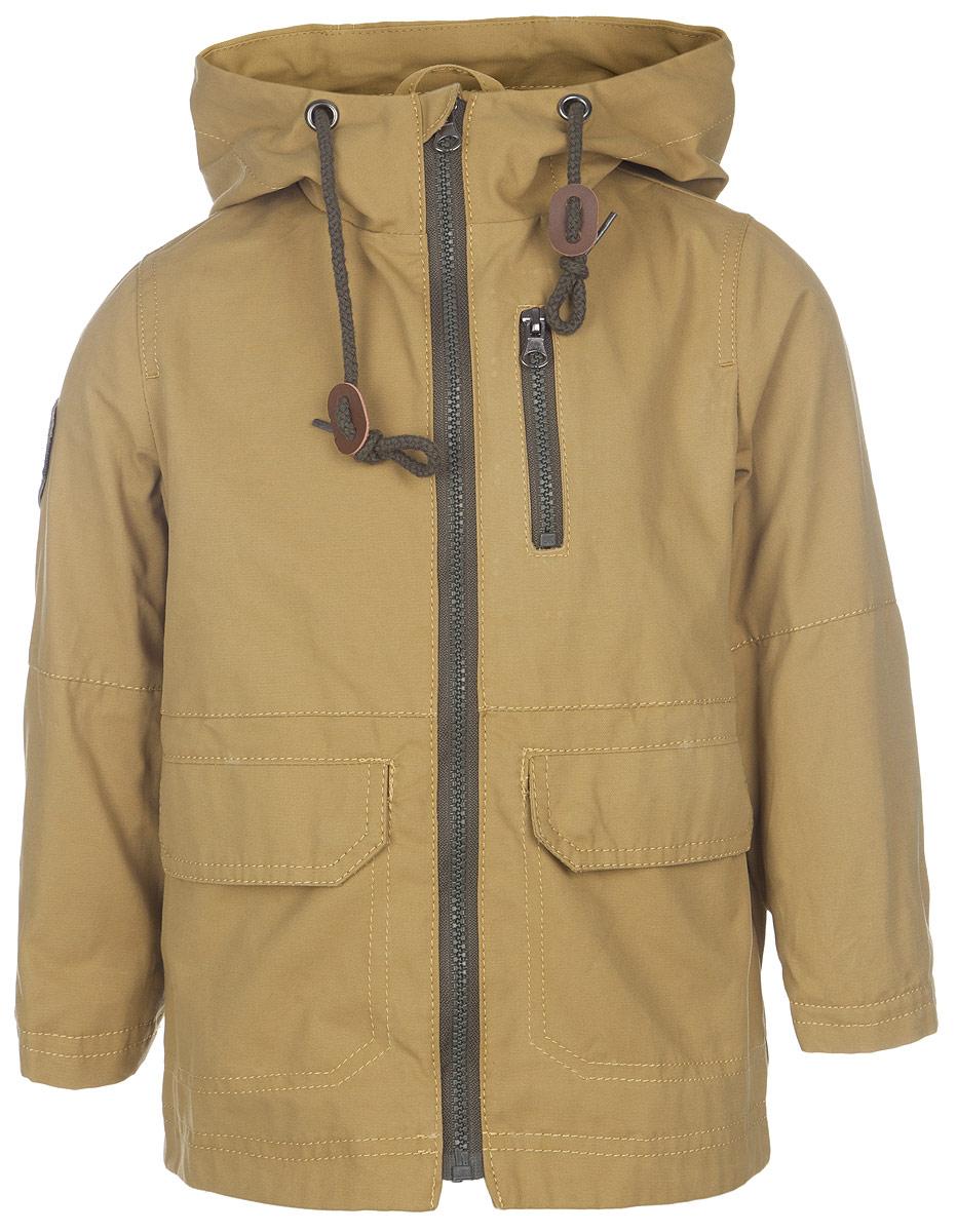 Куртка для мальчика. 63581_BOB_вариант 363581_BOB_вариант 3Стильная куртка для мальчика Boom! станет отличным дополнением к детскому гардеробу. Модель выполнена из натурального хлопка, она легкая, приятная на ощупь, не сковывает движения, позволяет коже дышать. Подкладка выполнена из полиэстера с добавлением хлопка. Куртка с несъемным капюшоном застегивается на пластиковую застежку-молнию с защитой подбородка. Капюшон по краю дополнен затягивающимся шнурком со стопперами. Низ рукавов можно регулировать по ширине с помощью кнопок. Спереди расположены два накладных кармана с клапанами на кнопках, один прорезной карман на застежке-молнии. Сзади куртки предусмотрен небольшой разрез снизу. Оформлено изделие нашивкой с логотипом фирмы. Легкая, удобная и практичная куртка идеально подойдет для прогулок и игр на свежем воздухе!