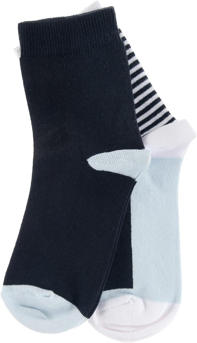 НоскиTSI0002TUЖенские носки Troll, выполненные из хлопка с добавлением полиамида, полипропилена и эластана, очень мягкие и приятные на ощупь, позволяют коже дышать, обеспечивая комфорт. Модель с укороченной эластичной манжетой выполнена с усиленной пяткой и мыском, что обеспечивает ее прочность и износостойкость. Резинка плотно облегает ногу, не сдавливая ее, благодаря чему вам будет комфортно и удобно. В комплект входят две пары носков, одна из которых оформлена в принтом в полоску.