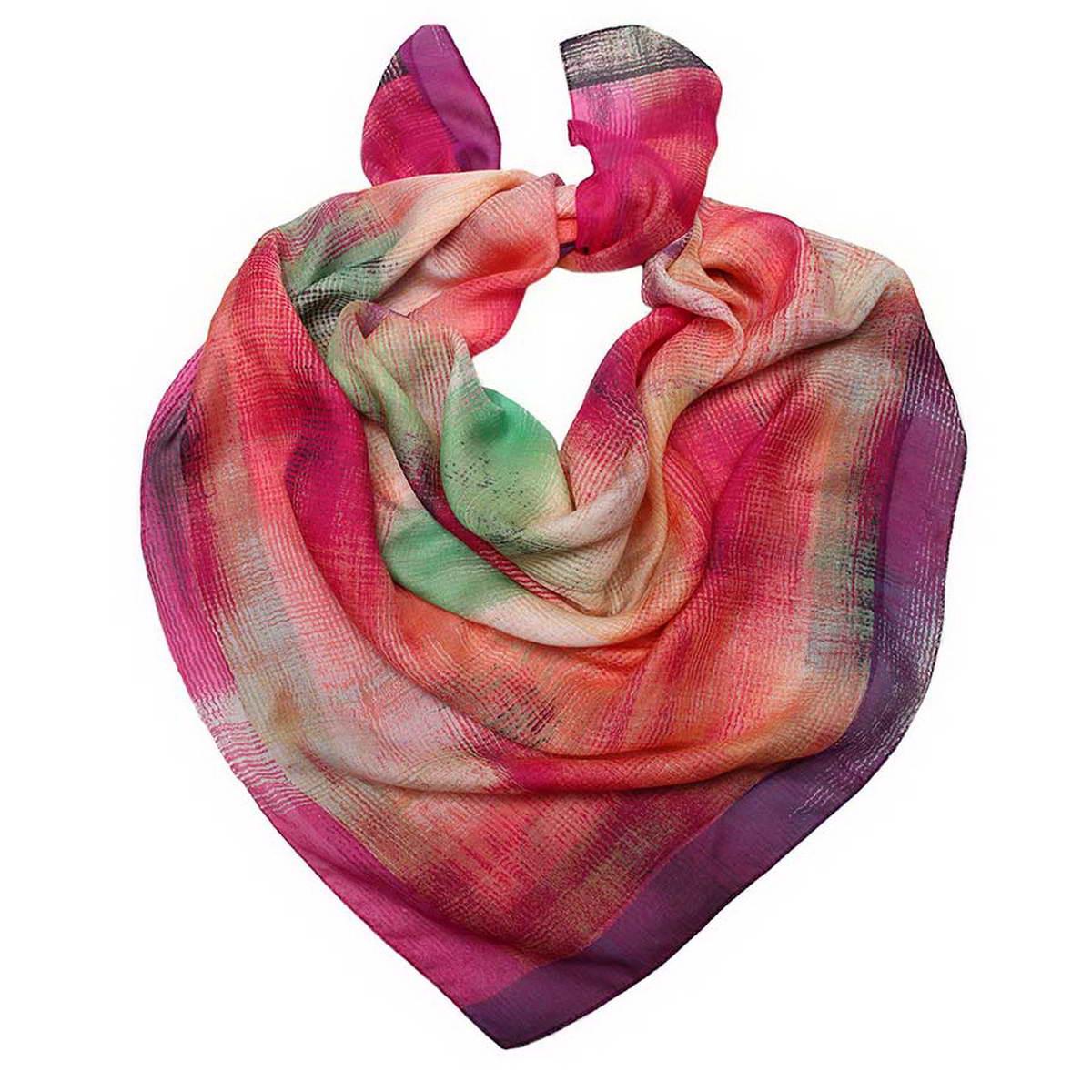 3002552-5Стильный женский платок Venera станет великолепным завершением любого наряда. Платок изготовлен из высококачественного 100% модала и оформлен оригинальными принтом с контрастными цветовыми переходами. Классическая квадратная форма позволяет носить платок на шее, украшать им прическу или декорировать сумочку. Легкий, мягкий и шелковистый платок поможет вам создать изысканный женственный образ, а также согреет в непогоду. Такой платок превосходно дополнит любой наряд и подчеркнет ваш неповторимый вкус и элегантность.