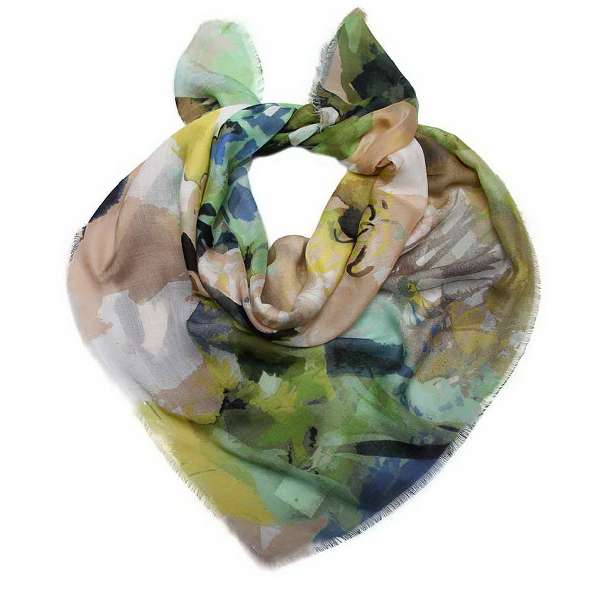 Платок женский. 3002552-63002552-6Даже на вид Вы можете разглядеть нежность и мягкость материала этого платка, как только Вы прикоснетесь к нему, изделие сразу станет Вашим любимым и незаменимым предметом гардероба. Платок из мягкого материала, оформлен необычным цветочным рисунком, который в драпировке создает привлекательную композицию.