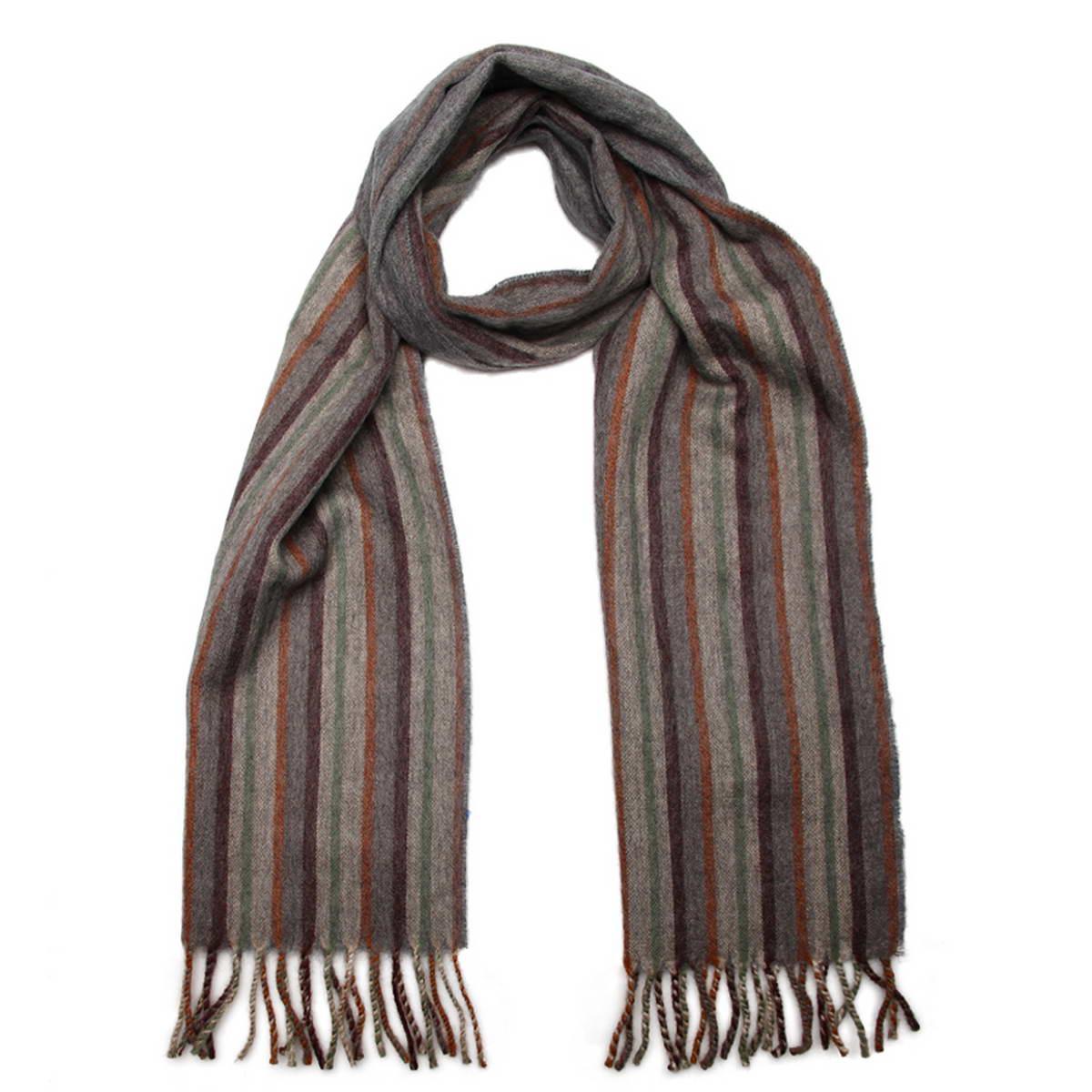 Шарф5001432-9Элегантный мужской шарф Venera согреет вас в холодное время года, а также станет изысканным аксессуаром, который призван подчеркнуть ваш стиль и индивидуальность. Оригинальный теплый шарф выполнен из высококачественной шерстяной пряжи. Шарф оформлен узором в узкую полоску и дополнен бахромой в виде жгутиков по краю. Такой шарф станет превосходным дополнением к любому наряду, защитит вас от ветра и холода и позволит вам создать свой неповторимый стиль.