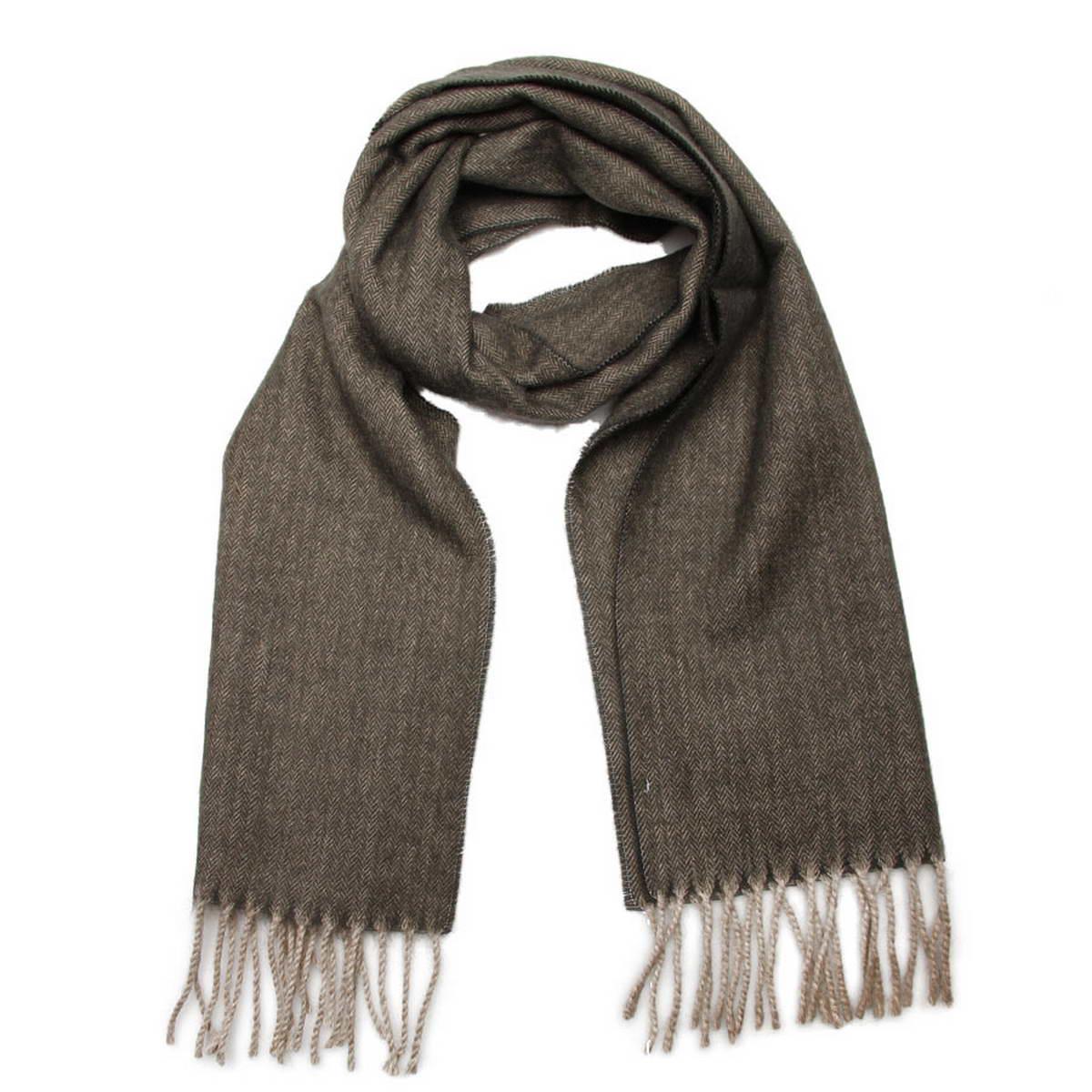 Шарф мужской. 50015325001532-2Элегантный мужской шарф Venera согреет вас в холодное время года, а также станет изысканным аксессуаром, который призван подчеркнуть ваш стиль и индивидуальность. Оригинальный теплый шарф выполнен из высококачественной шерстяной пряжи. Однотонный шарф имеет строгую классическую расцветку и дополнен светлыми жгутиками по краю. Такой шарф станет превосходным дополнением к любому наряду, защитит вас от ветра и холода и позволит вам создать свой неповторимый стиль.