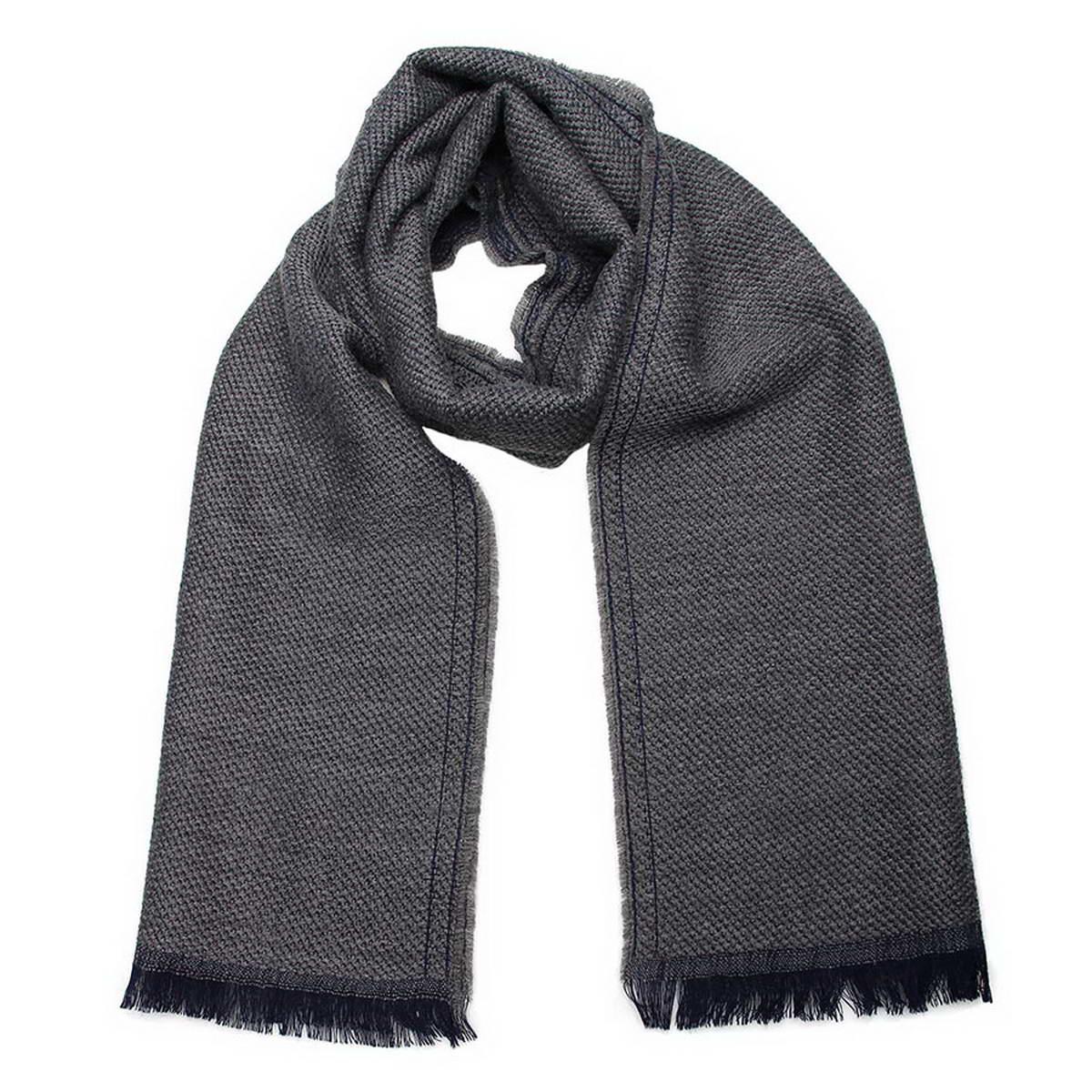 Шарф мужской. 50018325001832-10Стильный мужской шарф Venera будет прекрасно согревать в осеннюю прохладу и морозы. Шарф выполнен из натуральной шерсти и оформлен по краям бахромой. Классический шарф идеально дополнит мужской образ, а ненавязчивый дизайн сделает аксессуар универсальной вещью, которая удачно дополнит любую верхнюю одежду мужчины, подчеркнет неповторимый вкус и элегантность.