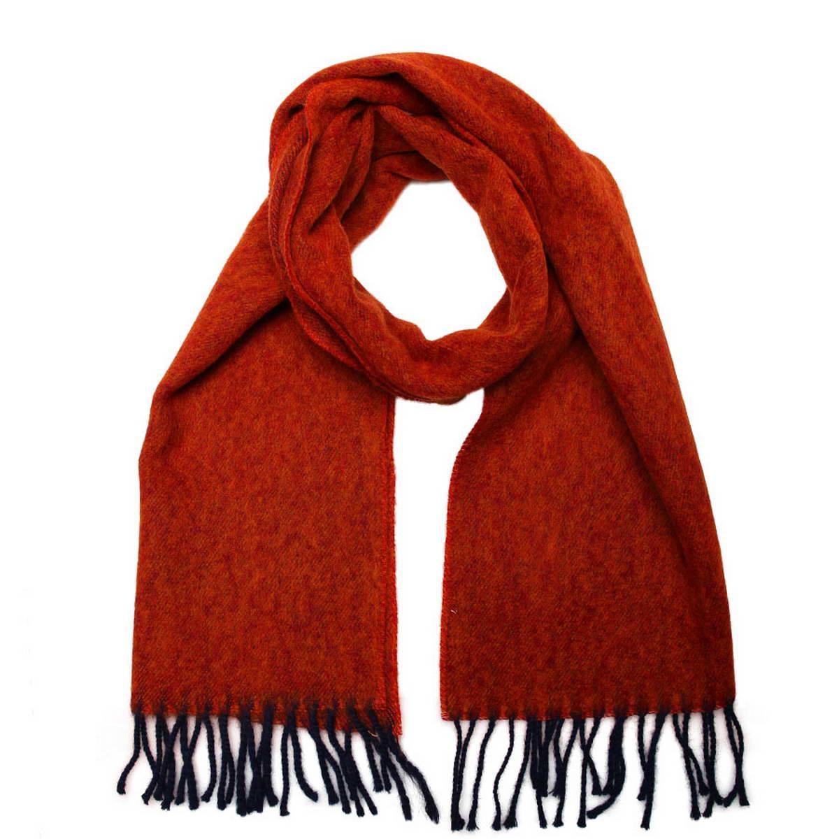Шарф5002132-10Элегантный мужской шарф Venera согреет вас в холодное время года, а также станет изысканным аксессуаром, который призван подчеркнуть ваш стиль и индивидуальность. Оригинальный теплый шарф выполнен из высококачественной шерстяной пряжи. Строгий однотонный шарф выполнен в классической расцветке и дополнен жгутиками по краю. Такой шарф станет превосходным дополнением к любому наряду, защитит вас от ветра и холода и позволит вам создать свой неповторимый стиль.