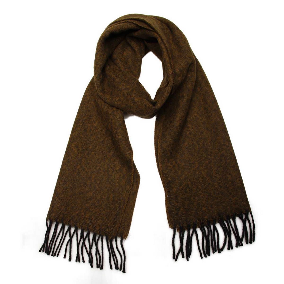 5002132-10Элегантный мужской шарф Venera согреет вас в холодное время года, а также станет изысканным аксессуаром, который призван подчеркнуть ваш стиль и индивидуальность. Оригинальный теплый шарф выполнен из высококачественной шерстяной пряжи. Строгий однотонный шарф выполнен в классической расцветке и дополнен жгутиками по краю. Такой шарф станет превосходным дополнением к любому наряду, защитит вас от ветра и холода и позволит вам создать свой неповторимый стиль.
