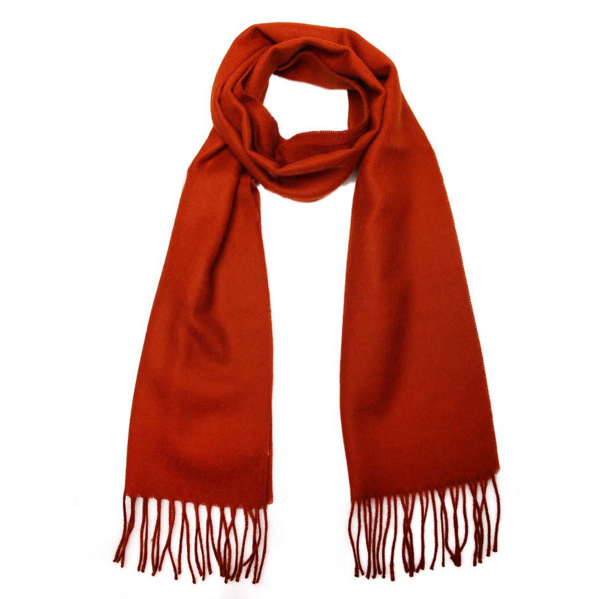 Шарф мужской. 50023325002332-4Элегантный мужской шарф Venera согреет вас в холодное время года, а также станет изысканным аксессуаром, который призван подчеркнуть ваш стиль и индивидуальность. Оригинальный теплый шарф выполнен из высококачественной шерстяной пряжи. Однотонный шарф дополнен бахромой в виде жгутиков по краю. Такой шарф станет превосходным дополнением к любому наряду, защитит вас от ветра и холода и позволит вам создать свой неповторимый стиль.