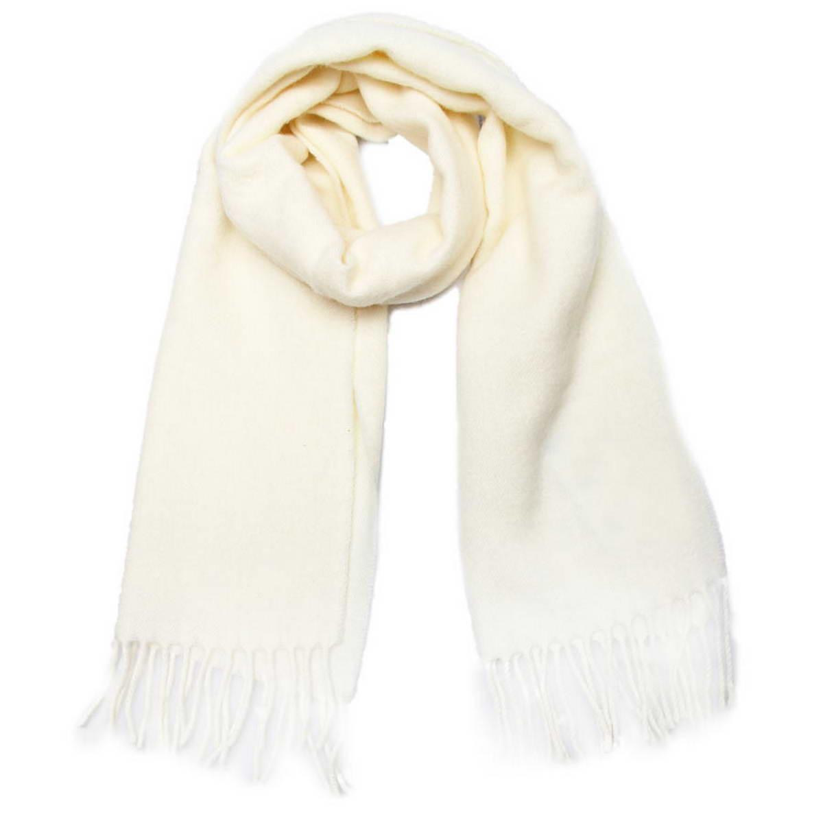 5002432-10Классический однотонный шарф Venera, выполненный из натуральной шерсти, создан подчеркнуть ваш неординарный вкус и согреть вас в прохладное время года. Модель дополнена кисточками по краям, несмотря на простой дизайн, аксессуар сделает ваш образ стильным и завершенным. Этот модный аксессуар не только согреет вас в холодное время года, но гармонично дополнит ваш образ.