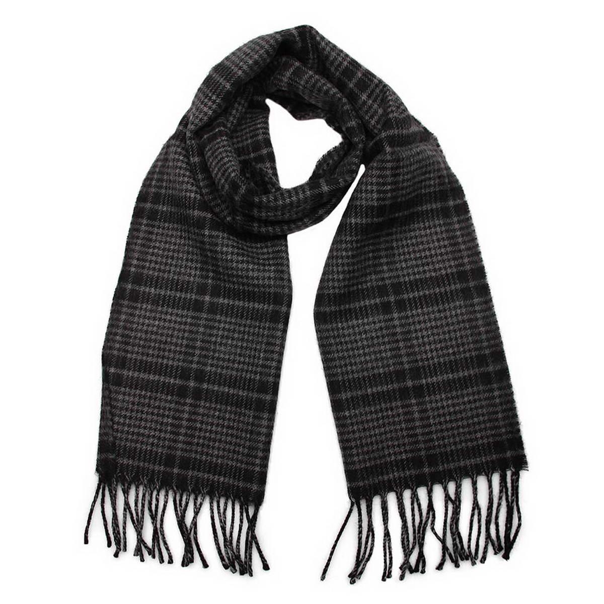 Шарф мужской. 5002532-75002532-7Элегантный мужской шарф Venera согреет вас в холодное время года, а также станет изысканным аксессуаром, который призван подчеркнуть ваш стиль и индивидуальность. Оригинальный теплый шарф выполнен из высококачественной шерстяной пряжи. Шарф оформлен классическим узором в клетку и дополнен жгутиками по краю. Такой шарф станет превосходным дополнением к любому наряду, защитит вас от ветра и холода и позволит вам создать свой неповторимый стиль.