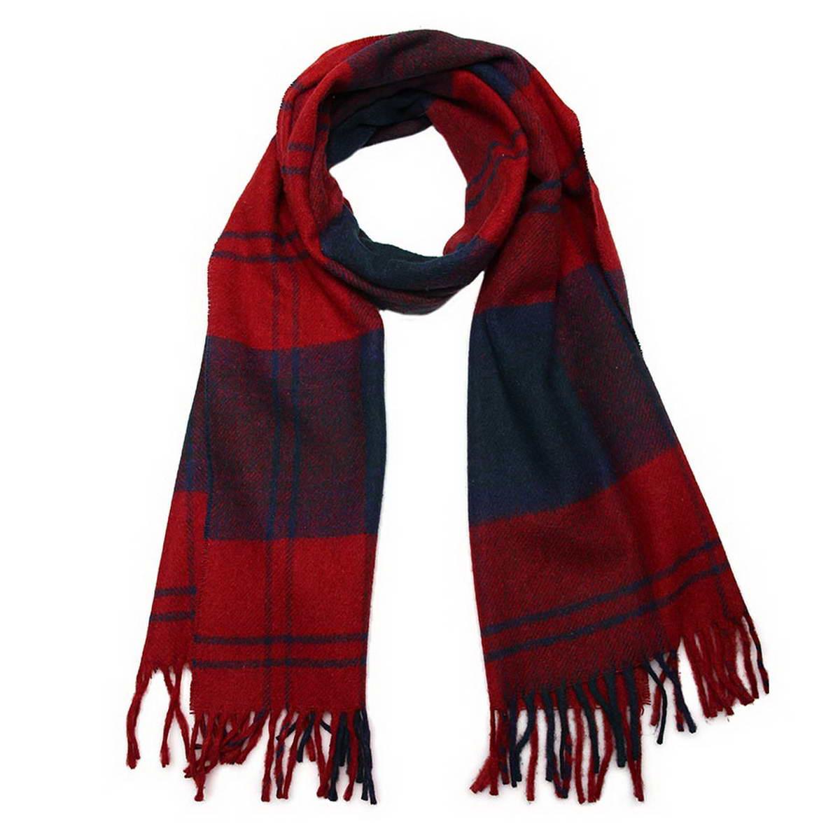 Шарф мужской. 5002532-155002532-15Элегантный мужской шарф Venera согреет вас в холодное время года, а также станет изысканным аксессуаром, который призван подчеркнуть ваш стиль и индивидуальность. Оригинальный теплый шарф выполнен из высококачественной шерстяной пряжи. Шарф оформлен узором в клетку и дополнен жгутиками по краю. Такой шарф станет превосходным дополнением к любому наряду, защитит вас от ветра и холода и позволит вам создать свой неповторимый стиль.