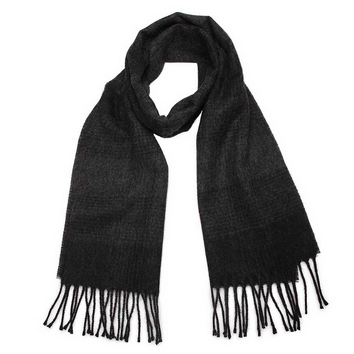 Шарф мужской. 5002532-165002532-16Элегантный мужской шарф Venera согреет вас в холодное время года, а также станет изысканным аксессуаром, который призван подчеркнуть ваш стиль и индивидуальность. Оригинальный теплый шарф выполнен из высококачественной шерстяной пряжи. Шарф оформлен бледным классическим узором в клетку и дополнен жгутиками по краю. Такой шарф станет превосходным дополнением к любому наряду, защитит вас от ветра и холода и позволит вам создать свой неповторимый стиль.