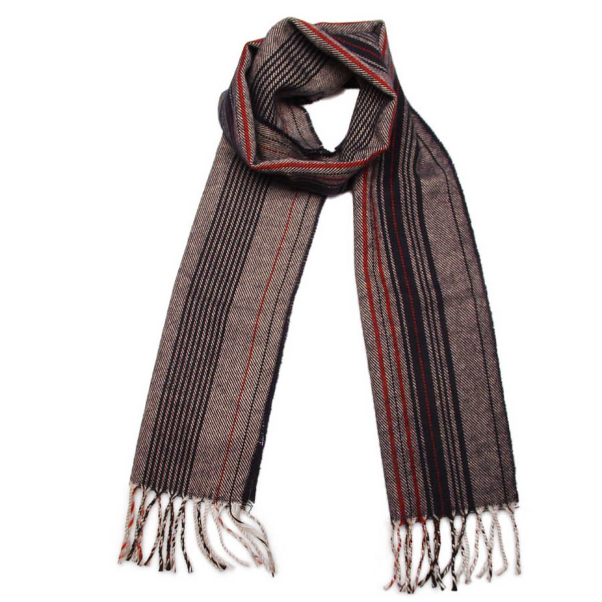 Шарф5002832-3Элегантный мужской шарф Venera согреет вас в холодное время года, а также станет изысканным аксессуаром, который призван подчеркнуть ваш стиль и индивидуальность. Оригинальный теплый шарф выполнен из высококачественной пряжи на основе шерсти с добавлением акрила. Шарф оформлен узором в полоску и дополнен жгутиками по краю. Такой шарф станет превосходным дополнением к любому наряду, защитит вас от ветра и холода и позволит вам создать свой неповторимый стиль.