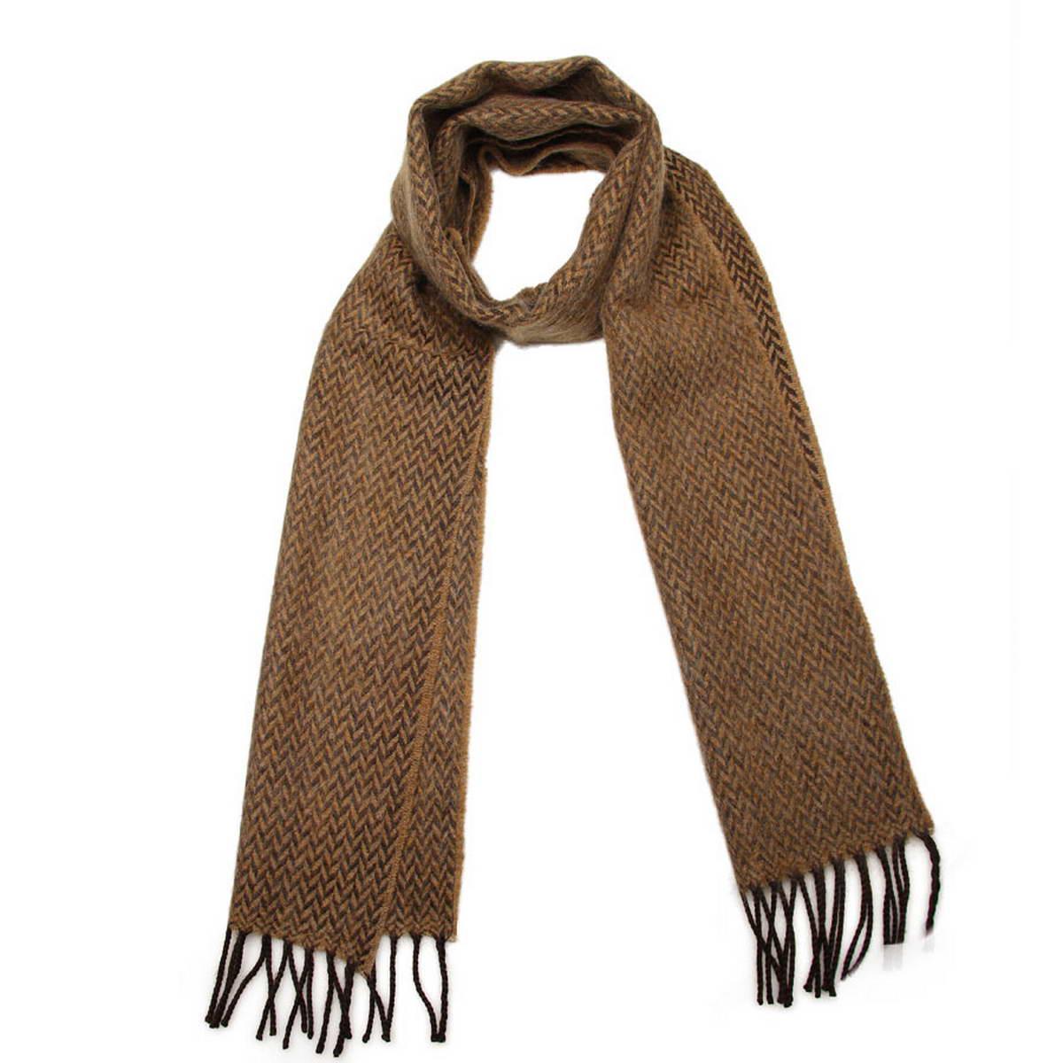 5003232-20Элегантный мужской шарф Venera согреет вас в холодное время года, а также станет изысканным аксессуаром, который призван подчеркнуть ваш стиль и индивидуальность. Оригинальный теплый шарф выполнен из высококачественной пряжи из шерсти и акрила. Шарф оформлен строгим геометрическим узором зигзаг и дополнен жгутиками по краю. Такой шарф станет превосходным дополнением к любому наряду, защитит вас от ветра и холода и позволит вам создать свой неповторимый стиль.