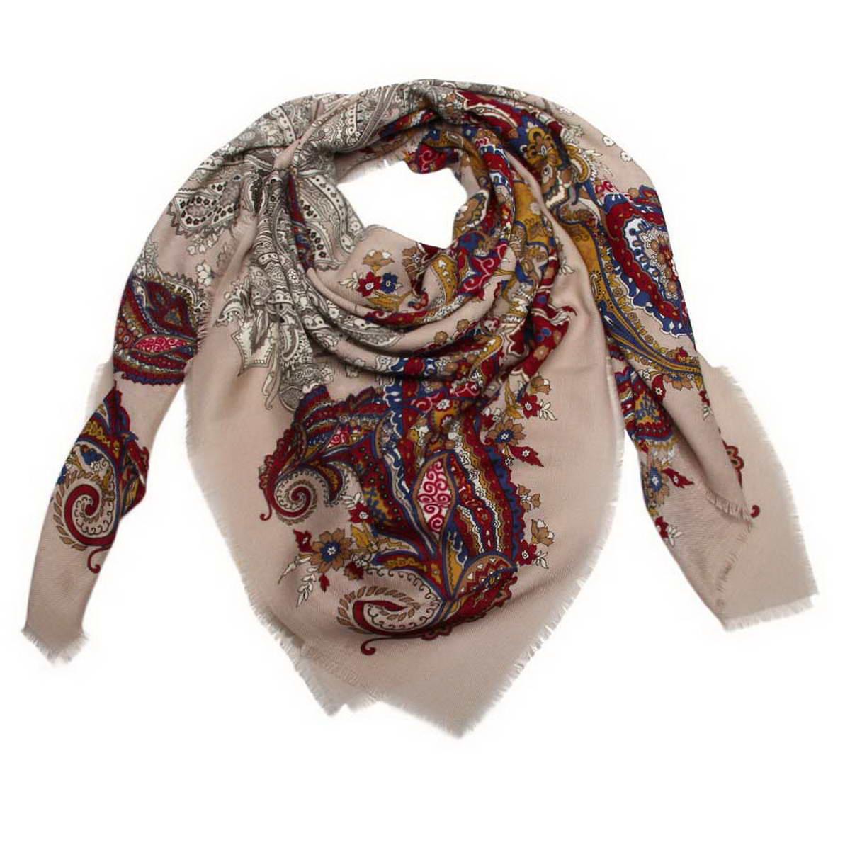 Платок женский. 60004526000452-03Стильный женский платок Venera станет великолепным завершением любого наряда. Платок изготовлен из полиэстера и оформлен оригинальным принтом. Края изделия дополнены бахромой. Классическая квадратная форма позволяет носить платок на шее, украшать им прическу или декорировать сумочку. Легкий и приятный на ощупь платок поможет вам создать изысканный женственный образ. Такой платок превосходно дополнит любой наряд и подчеркнет ваш неповторимый вкус и элегантность.