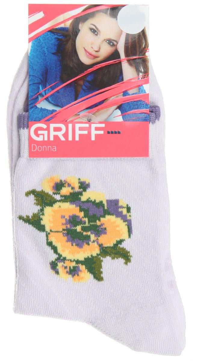 D252Женские носки Griff Цветок изготовлены из высококачественного сырья. Носки очень мягкие на ощупь, а широкая резинка плотно облегает ногу, не сдавливая ее, благодаря чему вам будет комфортно и удобно. Усиленная пятка и мысок обеспечивают надежность и долговечность. Носки на паголенке оформлены рисунком в виде розы.