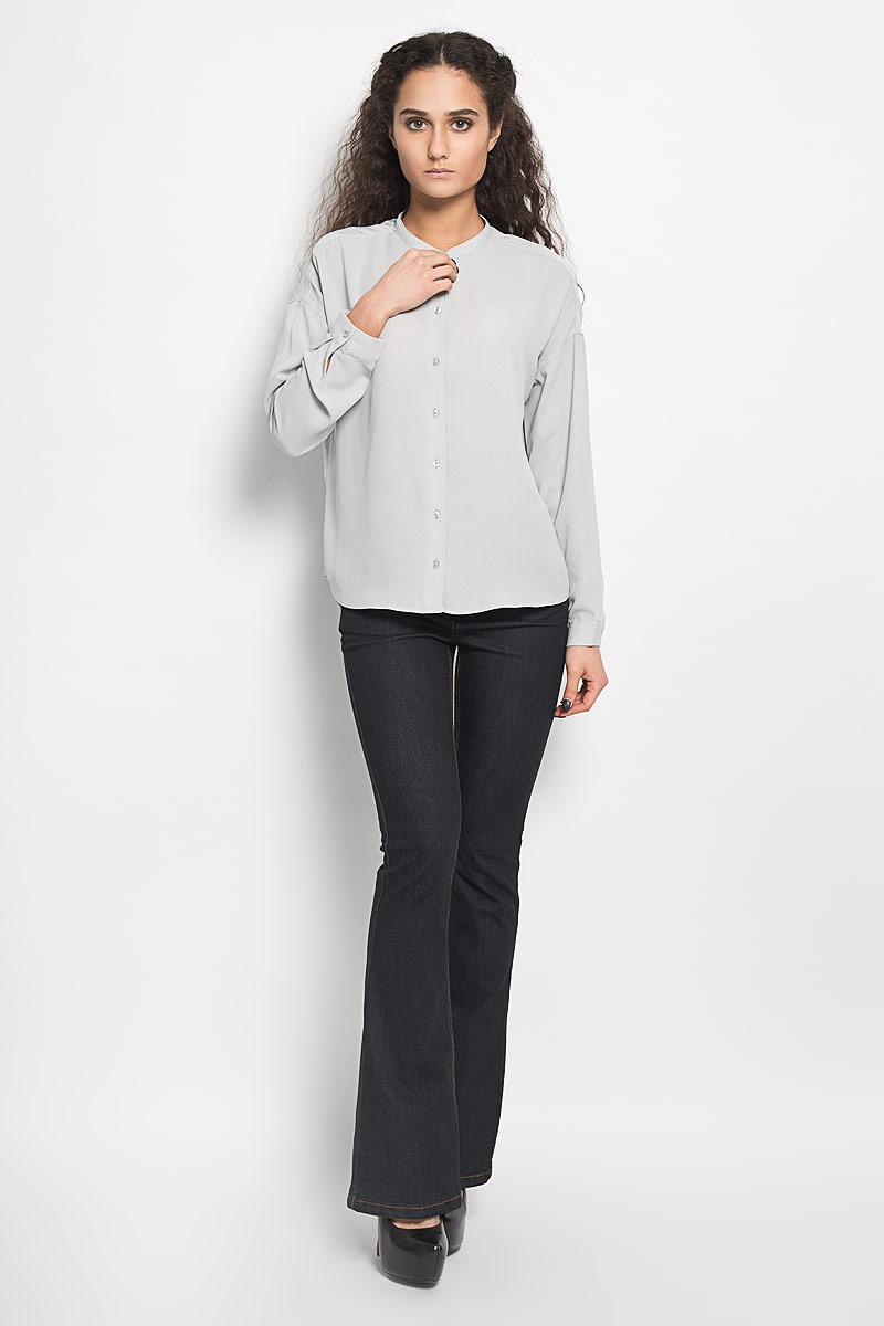 Блузка10156078 001Стильная женская блуза Broadway Bentley, выполненная из высококачественного полиэстера, подчеркнет ваш уникальный стиль и поможет создать оригинальный женственный образ. Блузка с круглым вырезом горловины и длинными рукавами застегивается спереди на пуговицы, манжеты рукавов также дополнены пуговицами. Спинка немного удлинена. Модель идеально подойдет для жарких летних дней. Такая блузка будет дарить вам комфорт в течение всего дня и послужит замечательным дополнением к вашему гардеробу.