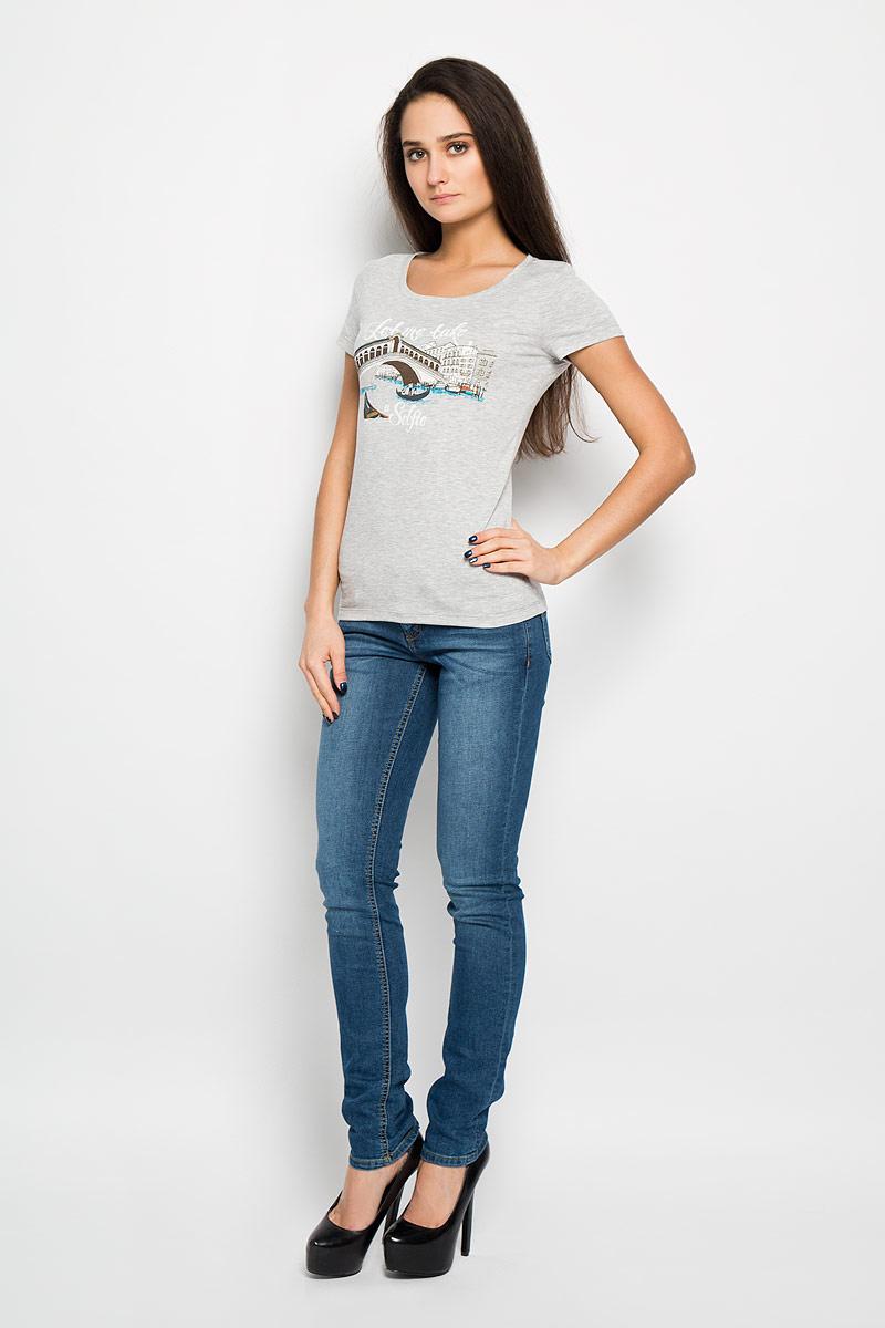 Футболка женская. 12380/Selfie12380/Selfie_16006Стильная женская футболка F5, выполненная из высококачественного материла, необычайно мягкая и приятная на ощупь, не сковывает движения и позволяет коже дышать, обеспечивая комфорт. Модель с круглым вырезом горловины и короткими рукавами спереди оформлена оригинальным принтом. Футболка F5 станет отличным дополнением к вашему гардеробу.