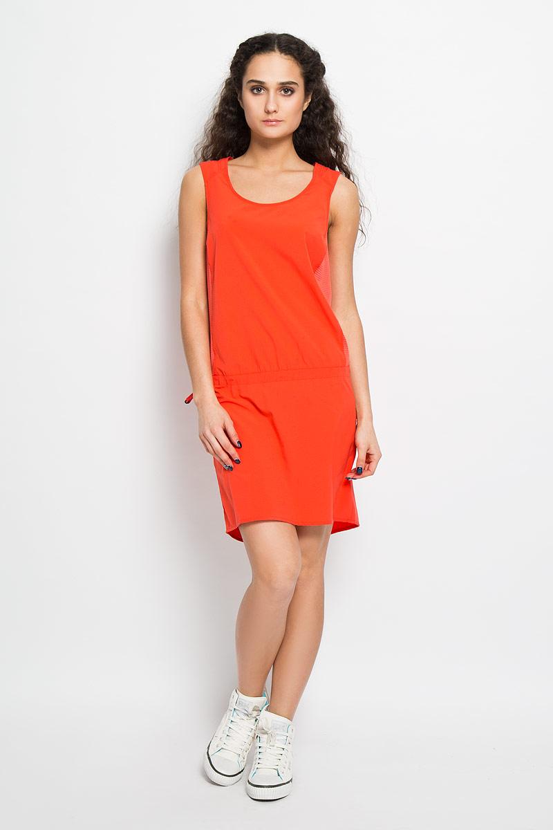 ПлатьеL37975000Спортивное платье Nomad Dress, выполненное из высококачественного материала, воплощает функциональный подход к легкой летней одежде для женщин. Эластичное, дышащее и элегантное, оно прекрасно подходит для походов, пробежек или прогулок в летнюю погоду. Трехуровневая структура материала AdvancedSkin ActiveDry обеспечивает максимальный доступ воздуха и отводит испарения от тела. Модель без рукавов с круглым вырезом горловины на спинке и по бокам оформлена дышащими вставками. Проймы рукавов дополнены пристроченными отворотами. Спинка немного удлинена. На заниженной талии предусмотрена скрытая резинка со стоппером. Сзади изделие декорировано небольшой термоаппликацией в виде логотипа бренда. Платье Salomon Nomad Dress воплощает функциональный подход к легкой летней одежде для женщин. Такая модель станет незаменимой вещью в вашем гардеробе.