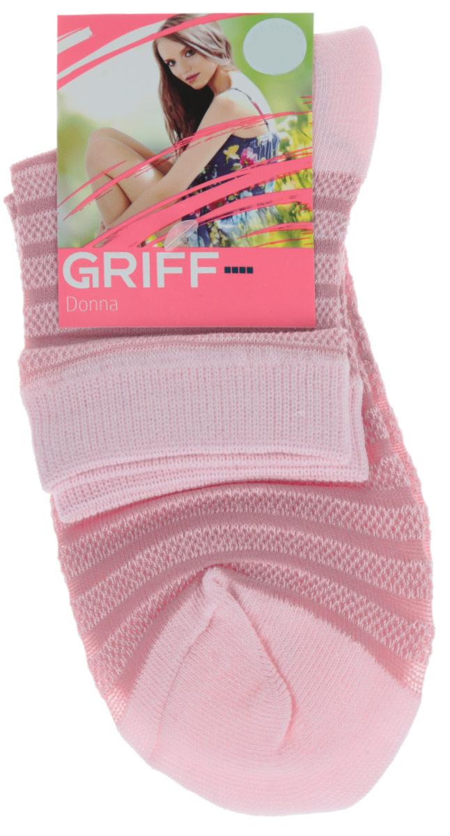 D4O2Женские носки Griff Полосы изготовлены из высококачественного сырья. Носки очень мягкие на ощупь, а широкая резинка плотно облегает ногу, не сдавливая ее, благодаря чему вам будет комфортно и удобно. Усиленная пятка и мысок обеспечивают надежность и долговечность. Носки оформлены рисунком в полоску.