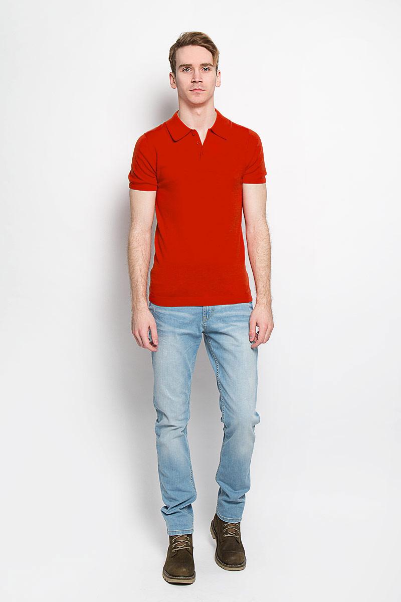 Футболка-поло мужская. 3020748.00.153020748.00.15Вязаная мужская футболка-поло Tom Tailor, изготовленная из натурального хлопка, обладает высокой теплопроводностью, воздухопроницаемостью и гигроскопичностью, позволяет коже дышать. Модель с короткими рукавами и отложным воротником - идеальный вариант для создания оригинального современного образа. Сверху футболка-поло застегивается на 3 пуговицы. Низ рукавов, воротник и низ изделия связаны резинкой. Такая модель подарит вам комфорт в течение всего дня и послужит замечательным дополнением к вашему гардеробу.