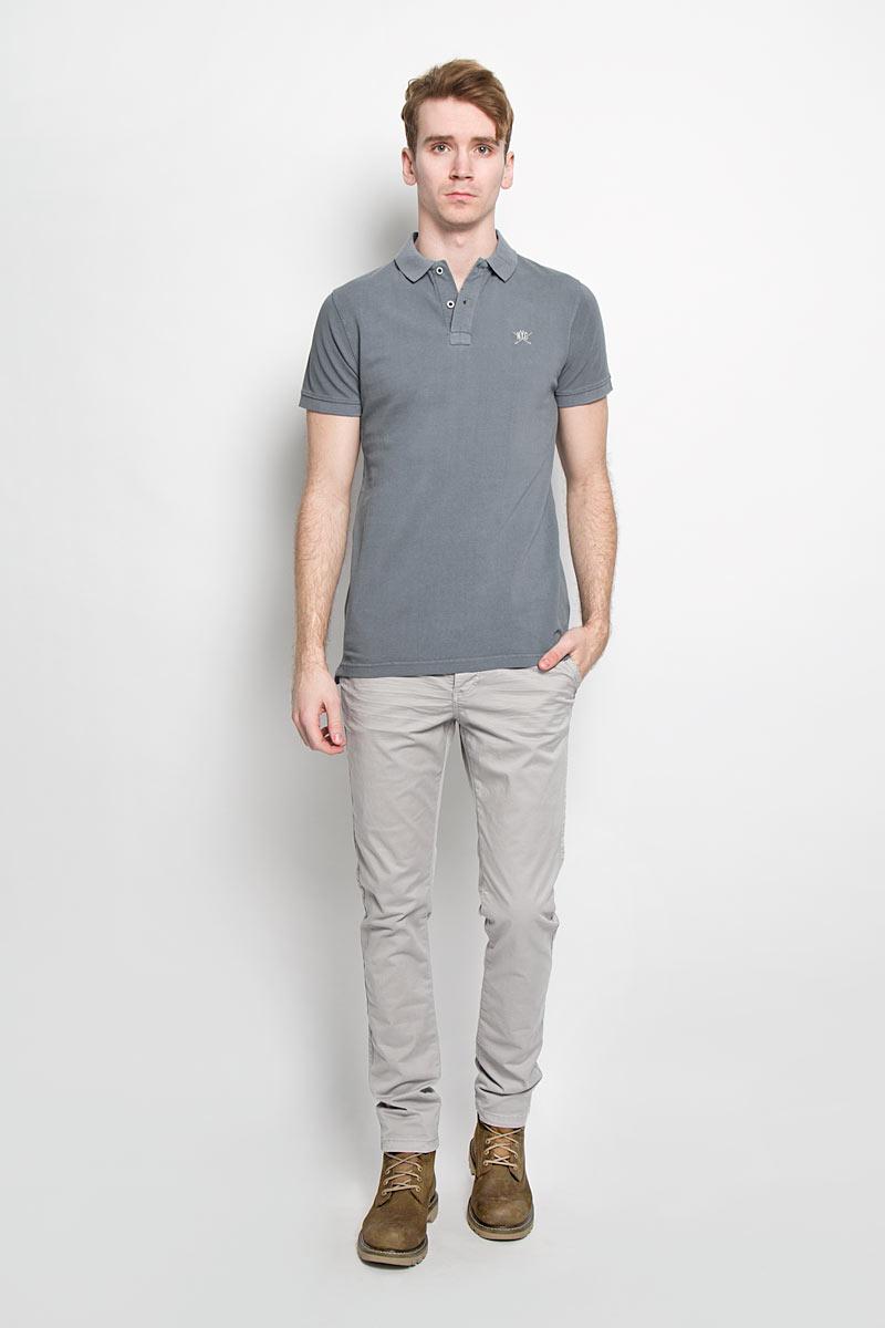 Футболка-поло мужская. 2010009620100096 582Стильная мужская футболка-поло Broadway, выполненная из высококачественного хлопка, обладает высокой теплопроводностью, воздухопроницаемостью и гигроскопичностью, позволяет коже дышать. Модель с короткими рукавами и отложным воротником - идеальный вариант для создания оригинального современного образа. Сверху футболка-поло застегивается на две пуговицы. Воротник и манжеты рукавов выполнены из трикотажной резинки. По бокам модели предусмотрены небольшие разрезы. Модель оформлена на груди небольшой вышивкой в виде логотипа производителя. Такая модель подарит вам комфорт в течение всего дня и послужит замечательным дополнением к вашему гардеробу.