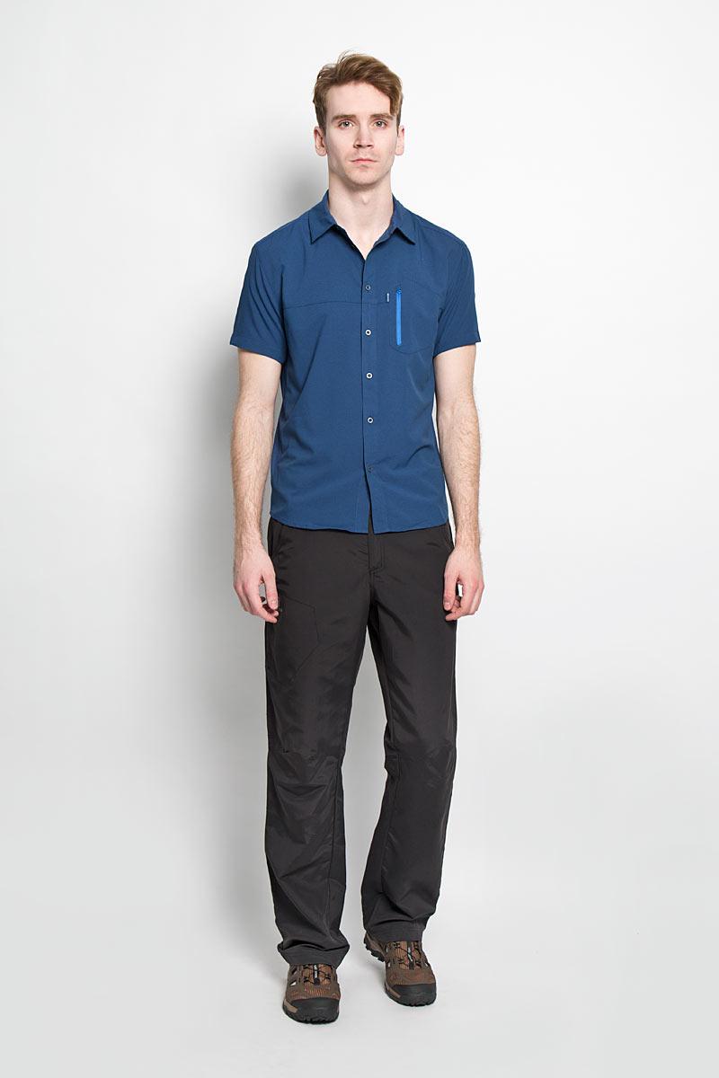 Рубашка мужская Nomad Stretch SS Shirt M. L37987900L37987900Практичная мужская рубашка Salomon Nomad Stretch SS Shirt M, изготовленная из быстросохнущей ткани с антимикробным покрытием и защитой от ультрафиолета UPF50, необычайно мягкая и приятная на ощупь, не сковывает движения и позволяет коже дышать, обеспечивая наибольший комфорт. Спинка выполнена с перфорацией для наилучшей вентиляции. Материал с использованием специальной технологии AdvancedSkin ActiveDry помогает обеспечить комфорт даже при длительных занятиях спортом, практически в любых климатических условиях. Трехуровневая структура материала правильно распределяет циркуляцию воздуха и следит за температурным режимом. Модная рубашка с отложным воротником, закругленным низом и короткими рукавами застегивается на пластиковые пуговицы по всей длине изделия. Модель оформлена нашивным карманом на молнии на груди. Эта рубашка идеальный вариант для повседневного гардероба, интенсивных тренировок и прогулок за городом. Такая модель порадует настоящих ценителей комфорта и...