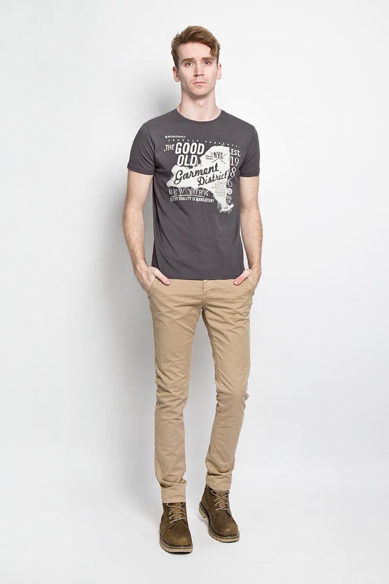 Футболка20100000 87GСтильная мужская футболка Broadway, выполненная из хлопка, обладает высокой теплопроводностью, воздухопроницаемостью и гигроскопичностью, позволяет коже дышать. Модель с короткими рукавами и круглым вырезом горловины оформлена оригинальным принтом. Вырез горловины дополнен эластичной резинкой, что предотвращает деформацию во время носки. Такая модель подарит вам комфорт в течение всего дня и послужит замечательным дополнением к вашему гардеробу.
