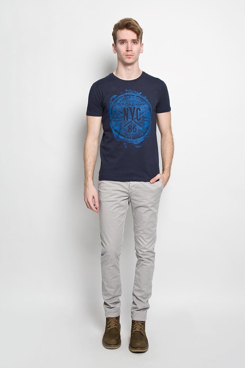 20100000 06AСтильная мужская футболка Broadway, выполненная из хлопка, обладает высокой теплопроводностью, воздухопроницаемостью и гигроскопичностью, позволяет коже дышать. Модель с короткими рукавами и круглым вырезом горловины оформлена оригинальным принтом. Такая модель подарит вам комфорт в течение всего дня и послужит замечательным дополнением к вашему гардеробу.