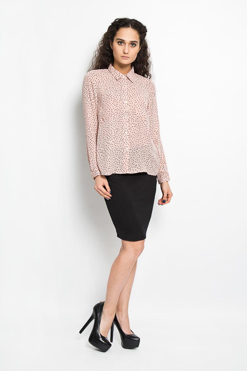 Блузка10156074 001Модная и стильная блузка Broadway Alita, выполненная из струящегося легкого материала - 100% полиэстера, благодаря своей универсальности идеально впишется в любой гардероб. Модель с длинными рукавами и отложным воротником застёгивается на пластиковые пуговицы по всей длине изделия. Блузка оформлена оригинальным принтом и дополнена двумя накладными карманами на груди. Рукава дополнены узкими манжетами с пуговицами. Удлинённая спинка изделия имеет закругленный низ. Такая модель, несомненно, понравится ее обладательнице и послужит отличным дополнением к гардеробу.