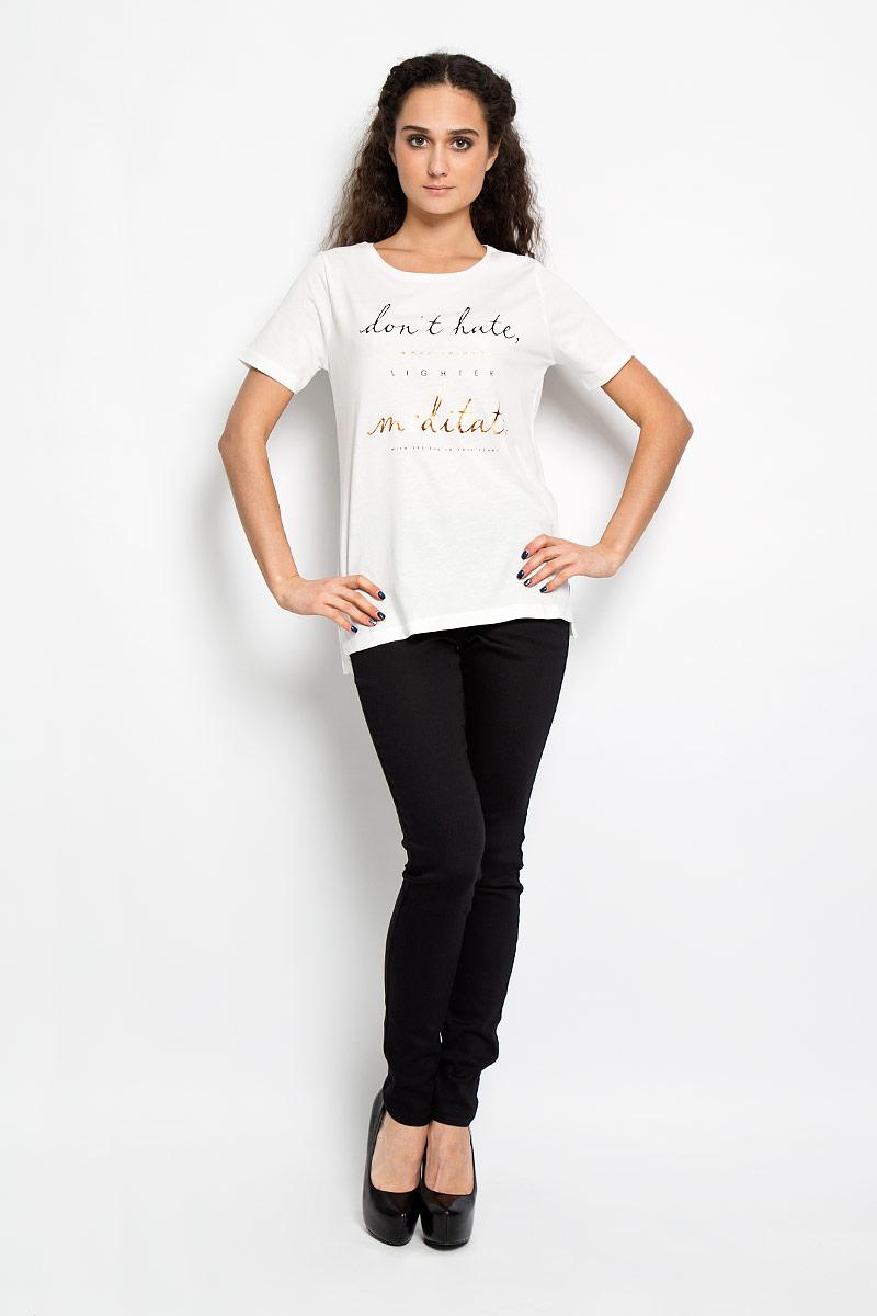 Футболка10156043 01AСтильная женская футболка Broadway Bonny, выполненная из высококачественного хлопка с вискозой, обладает высокой теплопроводностью, воздухопроницаемостью и гигроскопичностью, позволяет коже дышать. Модель с короткими рукавами и круглым вырезом - идеальный вариант для создания образа в стиле Casual. Футболка оформлена принтовой надписью на английском языке. Такая модель подарит вам комфорт в течение всего дня и послужит замечательным дополнением к вашему гардеробу.
