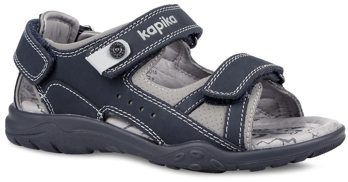 Сандалии33167-1Модные сандалии от Kapika приведут в восторг вашего мальчика! Модель выполнена из натуральной кожи и оформлена контрастной прострочкой, на верхнем ремешке - тиснением в виде названия бренда и хлястиком с фирменным декоративным элементом. Ремешки на застежках-липучках надежно зафиксируют ножку ребенка и отрегулируют нужный объем. Подкладка и стелька из натуральной кожи позволяют ногам дышать. Стелька дополнена супинатором, который отвечает за правильное формирование стопы. Рифление на подошве гарантирует отличное сцепление с любой поверхностью. Стильные сандалии займут достойное место в гардеробе вашего ребенка.