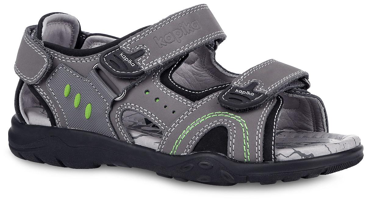 Сандалии для мальчика. 3316633166-1Модные сандалии от Kapika придутся по душе вашему мальчику! Модель, изготовленная из натуральной кожи, оформлена контрастной прострочкой, на верхнем ремешке - тиснением в виде названия бренда. Ремешки с застежками-липучками прочно закрепят обувь на ножке и отрегулируют нужный объем. Внутренняя поверхность и стелька из натуральной кожи комфортны при движении. Стелька дополнена супинатором, который обеспечивает правильное положение ноги ребенка при ходьбе. Рифление на подошве гарантирует отличное сцепление с поверхностью. Подошва Shock Absorber позволяет снизить давление и ударные нагрузки на стопу при ходьбе. Практичные и стильные сандалии займут достойное место в гардеробе вашего мальчика.