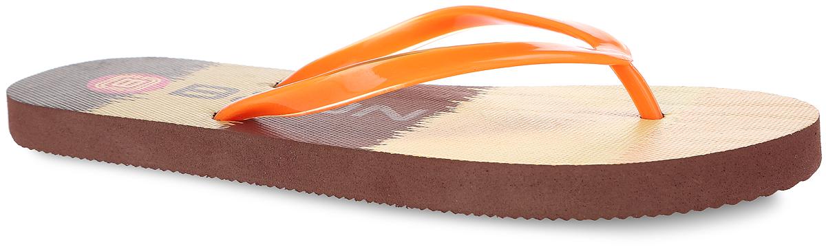 B405003Яркие женские сланцы от Baon очаруют вас с первого взгляда. Верх модели изготовлен из ПВХ. Верхняя поверхность подошвы оформлена оригинальным принтом и названием бренда. Ремешки с перемычкой гарантируют надежную фиксацию модели на ноге. Рифление на верхней поверхности подошвы предотвращает выскальзывание ноги. Рельефное основание подошвы обеспечивает уверенное сцепление с любой поверхностью. Удобные сланцы прекрасно подойдут для похода в бассейн или на пляж.