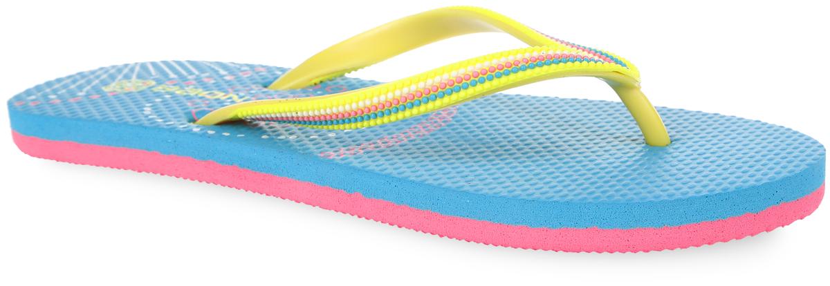 B405002Яркие женские сланцы от Baon очаруют вас с первого взгляда. Верх модели изготовлен из ПВХ. Верхняя поверхность подошвы оформлена оригинальным принтом и названием бренда. Ремешки с перемычкой гарантируют надежную фиксацию модели на ноге. Рифление на верхней поверхности подошвы предотвращает выскальзывание ноги. Рельефное основание подошвы обеспечивает уверенное сцепление с любой поверхностью. Удобные сланцы прекрасно подойдут для похода в бассейн или на пляж.