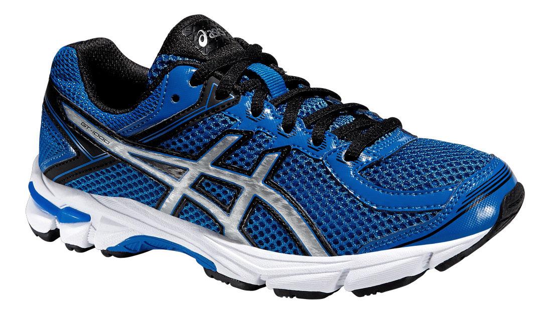 Кроссовки для мальчика GT-1000 4 GS. C558N-3993C558N-3993Стильные кроссовки от Asics GT-1000 4 GS подойдут как для занятий физкультурой в школе, так и для прогулок на свежем воздухе. Модель выполнена из текстиля со вставками из полимерного материала и искусственной кожи разной фактуры. Классическая шнуровка надежно зафиксирует обувь на ноге. Подкладка, изготовленная из текстиля, предотвращает натирание. Съемная стелька из ЭВА с верхним текстильным покрытием обеспечит уют. Рисунок на стельке обозначает как правильно должна располагаться стопа. По бокам кроссовки декорированы оригинальным принтом. Язычок, препятствующий попаданию грязи во внутрь, дополнен вставкой с названием бренда, задник - символикой бренда и светоотражающим элементом, который создает дополнительную видимость в темное время суток. Вставка из термостойкого геля на силиконовой основе значительно уменьшает нагрузку на пятку, колени и позвоночник спортсмена, снижая возможность получения травмы. Колодка California предназначена для стабильности и...