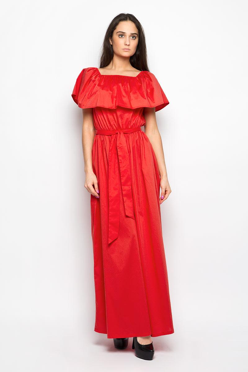ПлатьеB466011Платье Baon поможет создать яркий и привлекательный женственный образ. Изделие выполнено из мягкого эластичного хлопка, приятное к телу, не сковывает движения и хорошо вентилируется. Модель-макси имеет эластичный вырез горловины Анжелика, декорированный широкой оборкой. Линию талии подчеркивают мягкая резинка и текстильный пояс с тонкими шлевками. Это эффектное платье займет достойное место в вашем гардеробе!